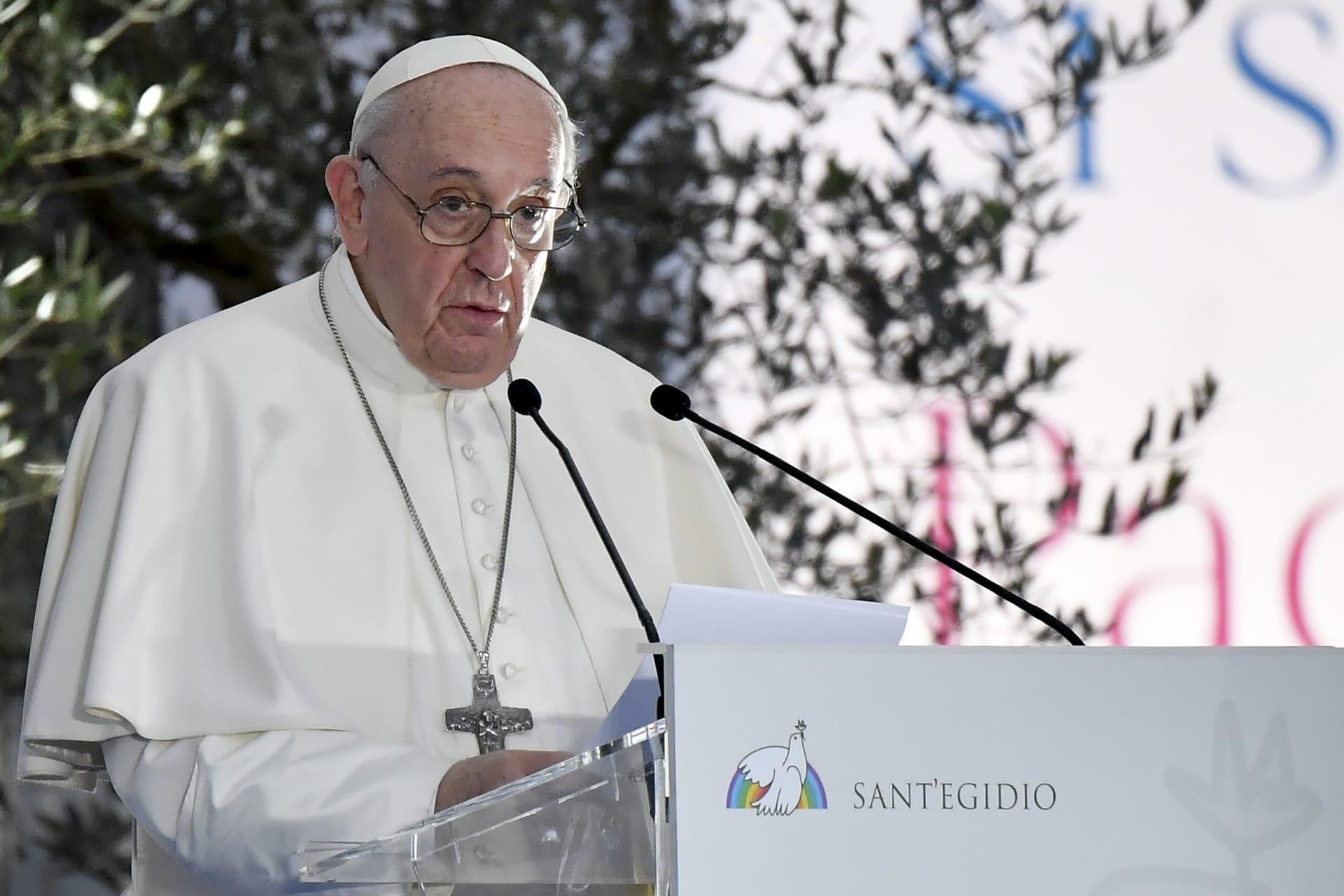 """البابا فرنسيس يدعو لحماية المثليين: """"أبناء الله"""" ويجب حمايتهم قانونيا"""