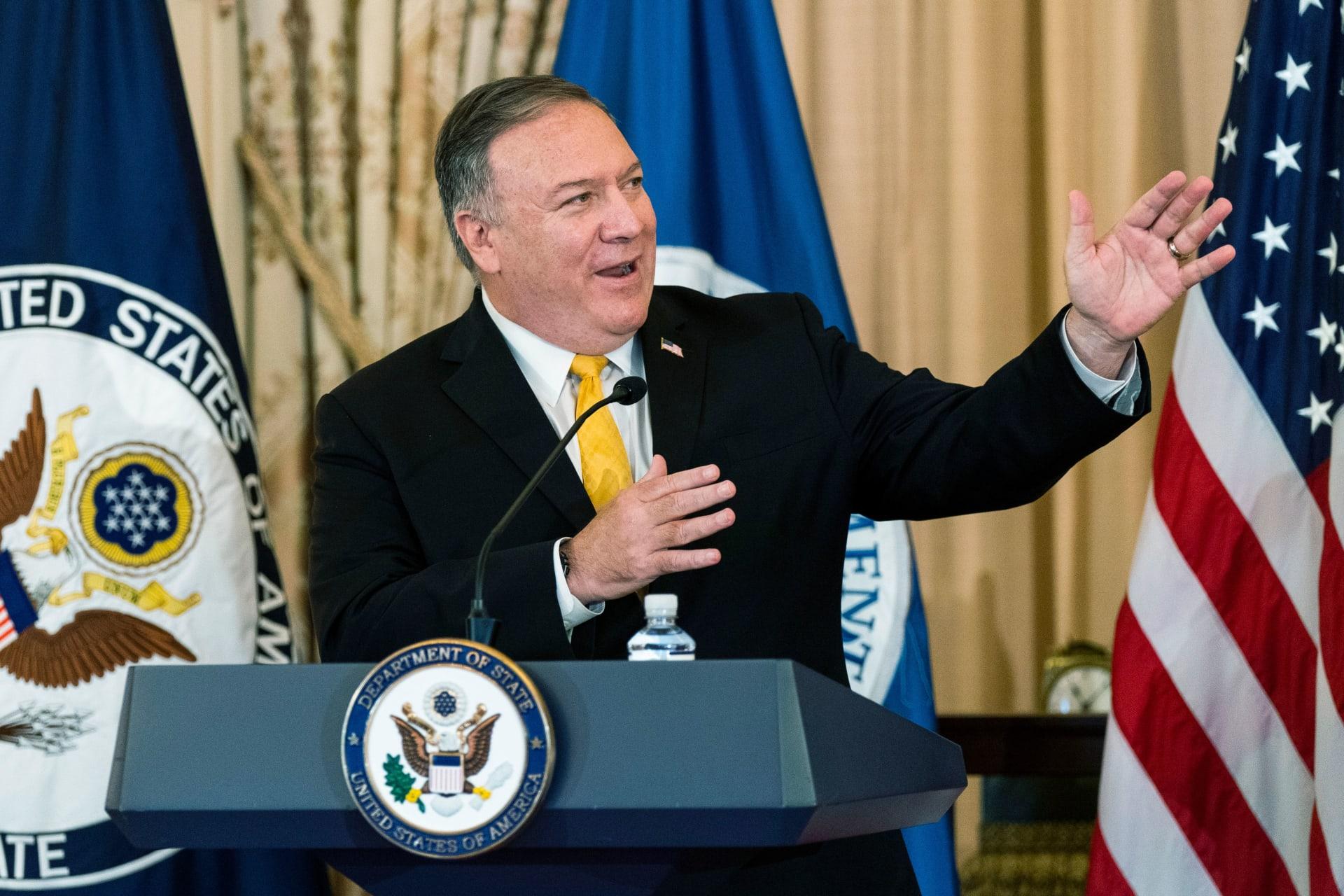 """بومبيو يجري اتصالا مع حمدوك حول حذف السودان من """"الدول الراعية للإرهاب"""""""