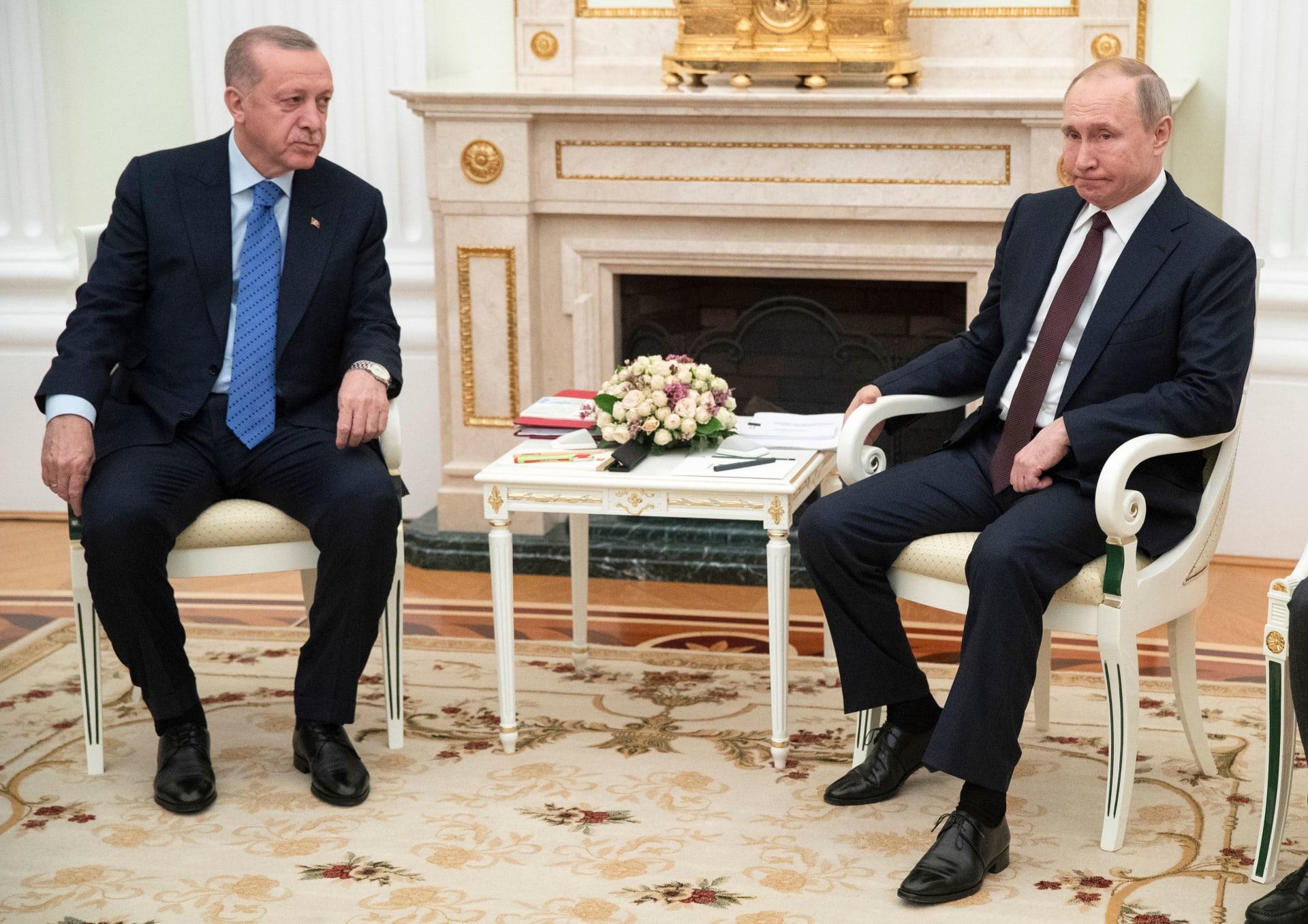 صورة أرشيفية للقاء بين بوتين وأردوغان بالكرملين في مارس 2020