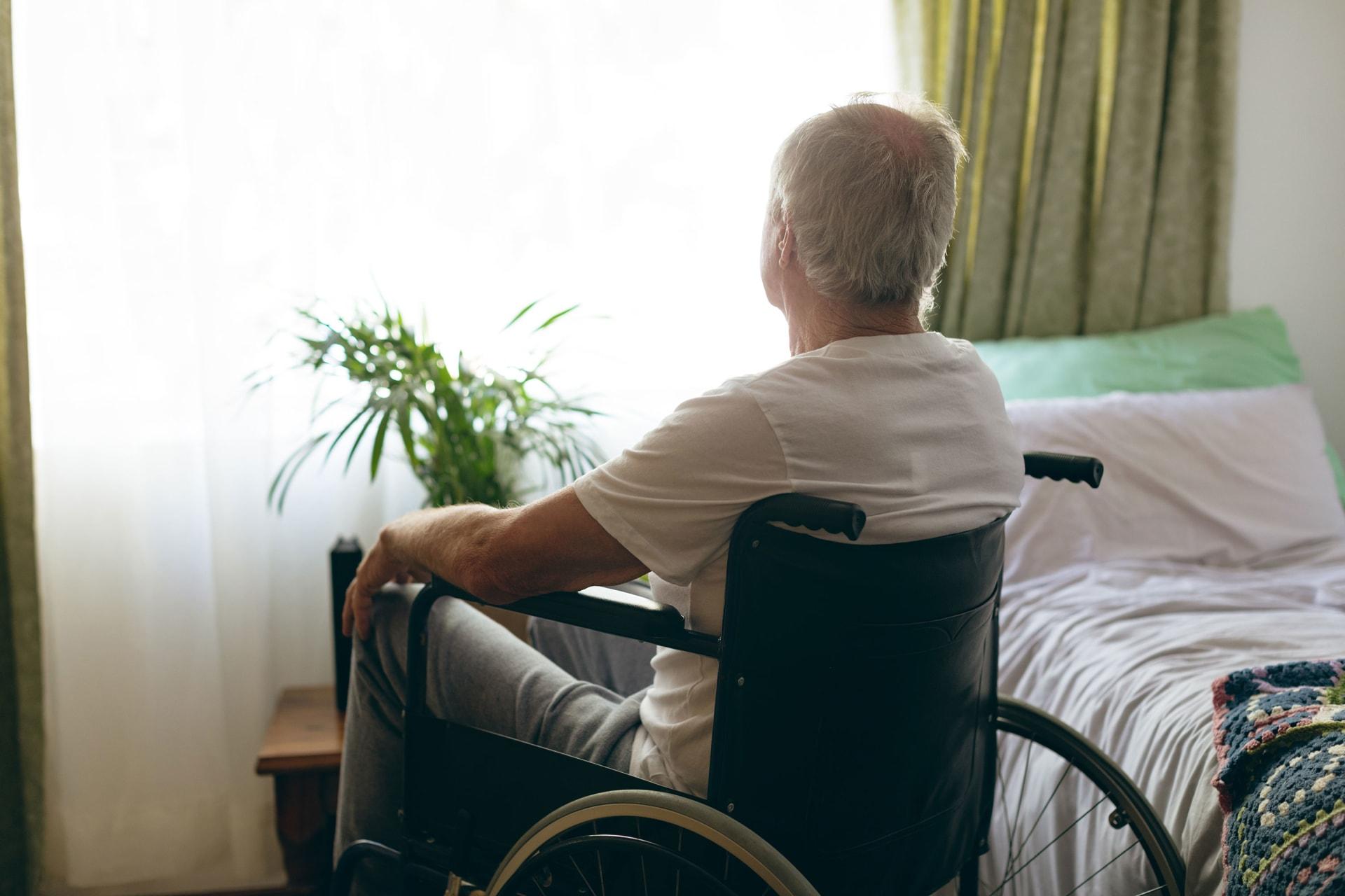 """مرضى فيروس كورونا الكبار يعانون من """"ضباب الدماغ"""" بفترة التعافي"""