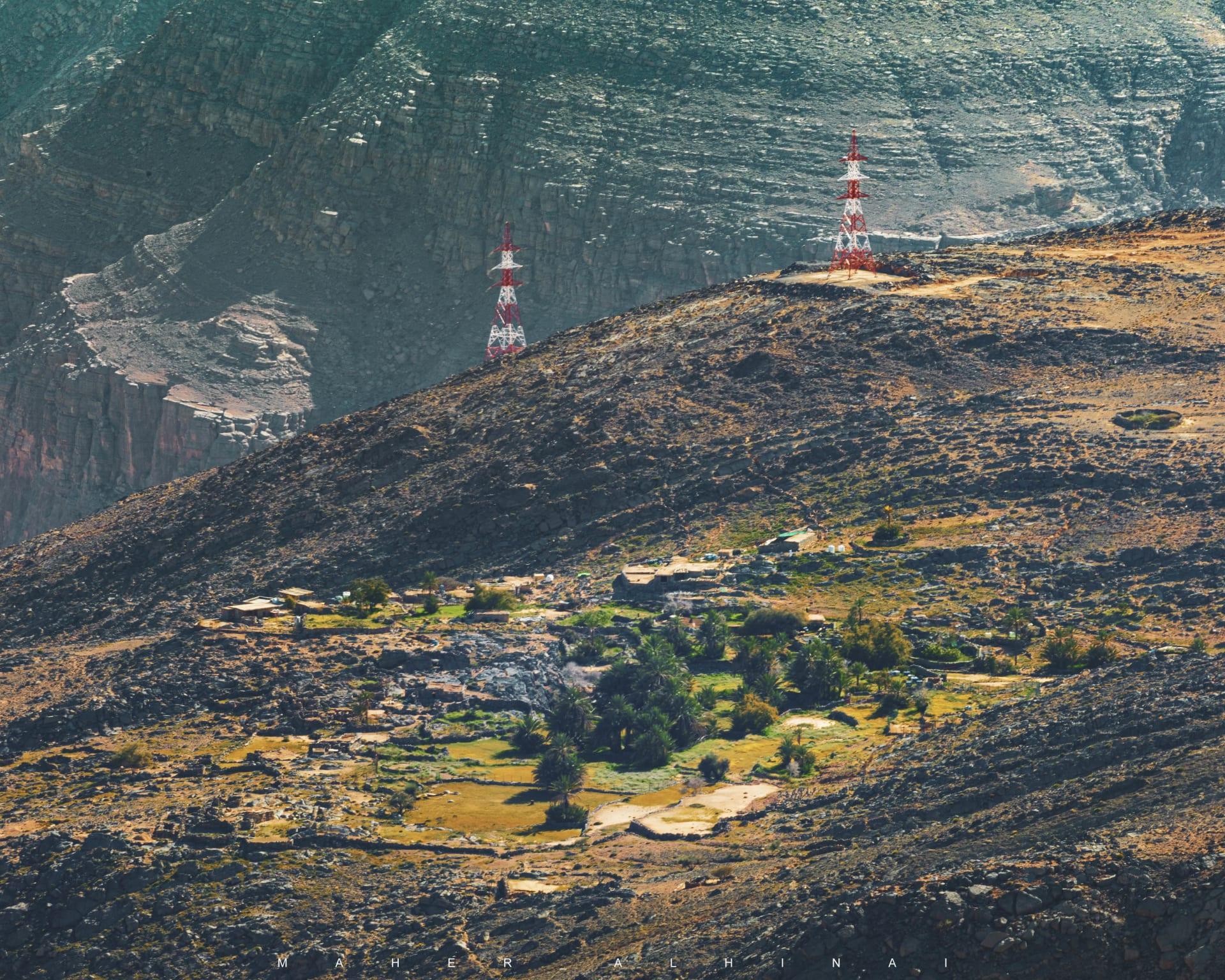 أحافير بحرية تعود لملايين الأعوام.. كيف انتهى المطاف بها على قمة هذا الجبل بعمان؟