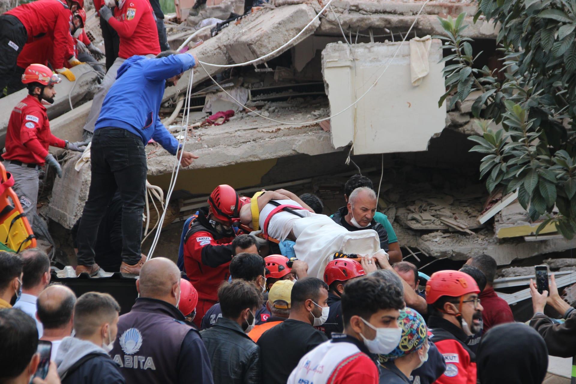 تركيا.. قتلى ومصابون في زلزال  إزمير