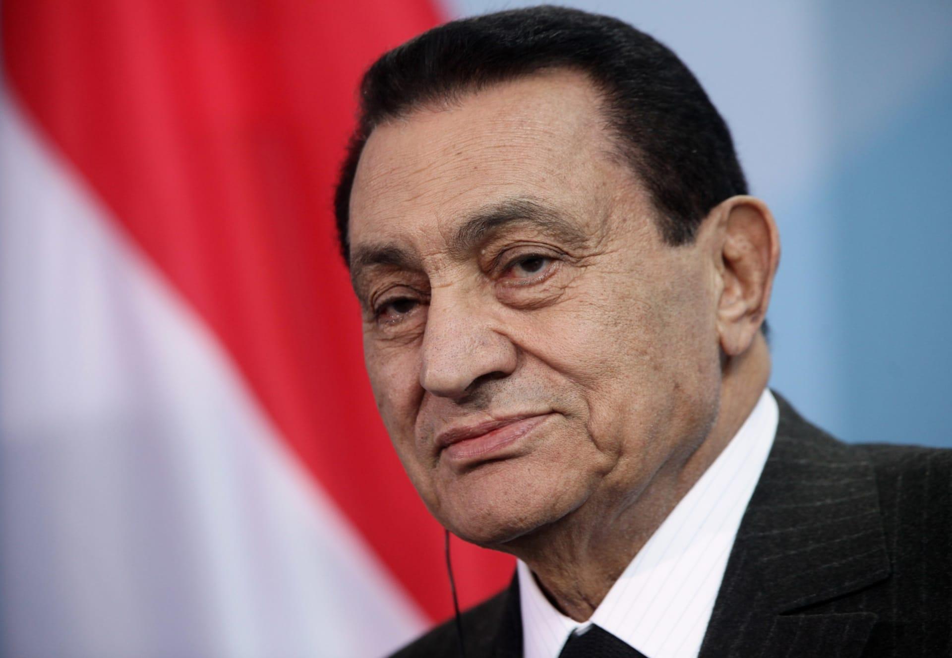 """""""كفاكم تذرعا بحرية التعبير"""".. علاء مبارك ينشر فيديو لوالده ينتقد فيه """"الإساءة للنبي محمد"""""""
