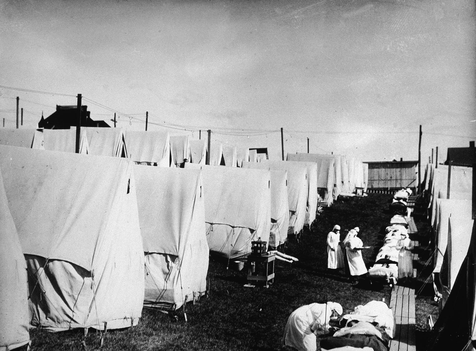 ما الذي يمكن تعمله من الموجة الثانية القاتلة للإنلفونزا الإسبانية عام 1918 خلال جائحة فيروس كورونا؟