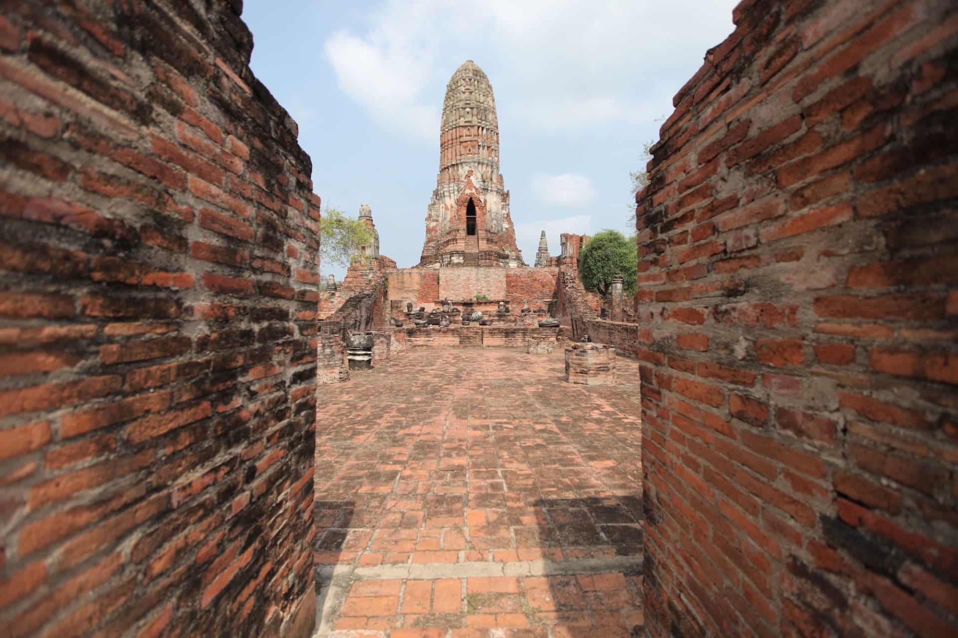 """الخطوط الجوية الدولية التايلاندية تقدم رحلة """"إلى لا مكان"""" فوق أبرز المواقع الدينية بالبلاد"""
