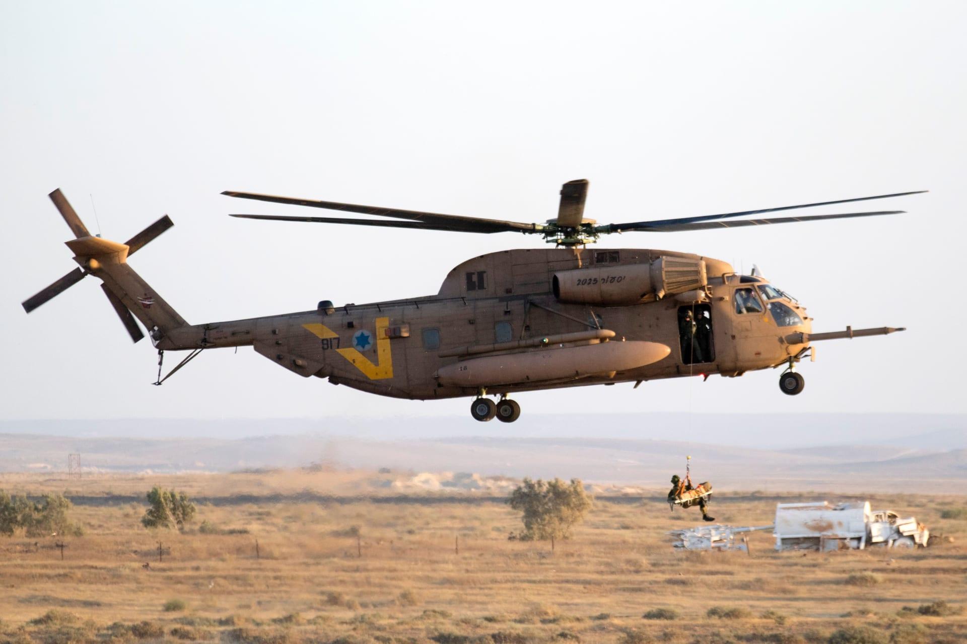 الجيش الإسرائيلي يعلن إخلاء جندي أمريكي مُصاب في تحطم مروحية قوات حفظ السلام بجنوب سيناء