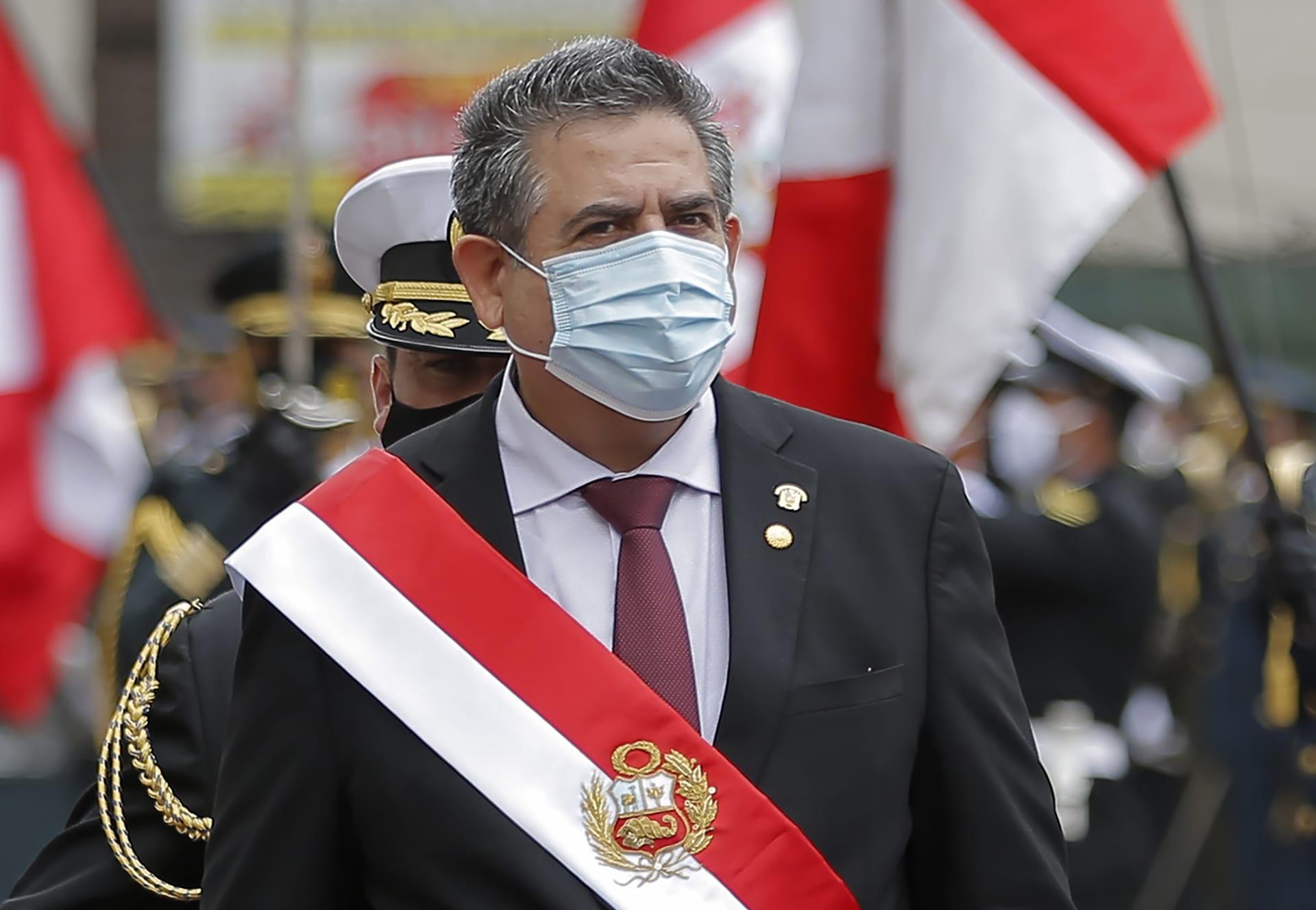 رئيس بيرو المؤقت يستقيل بعد احتجاجات دامية قُتل خلالها 2 من المتظاهرين