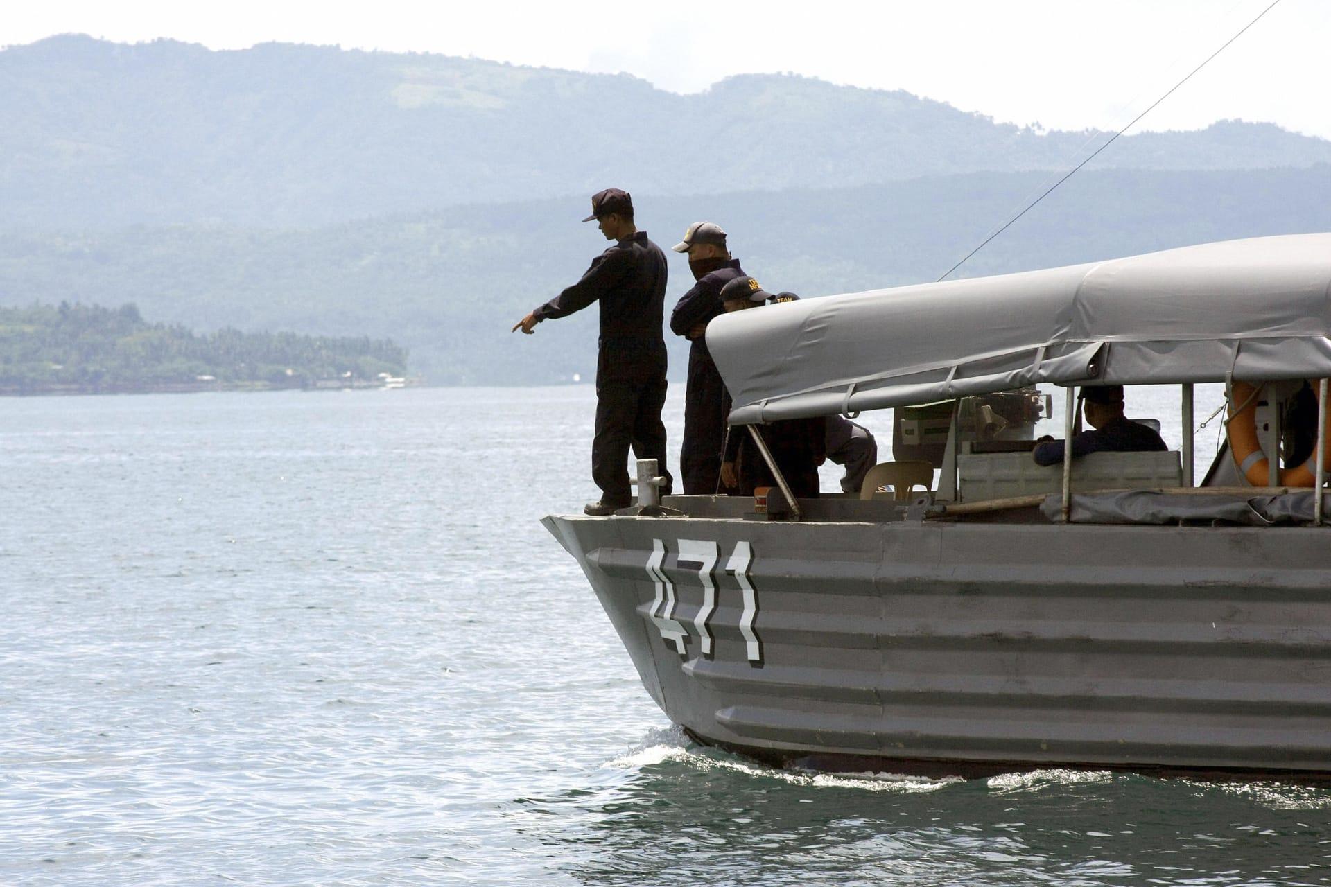 صورة ارشيفية لقارب بحث وانقاذ تابع للبحرية الفلبينية العام 2008