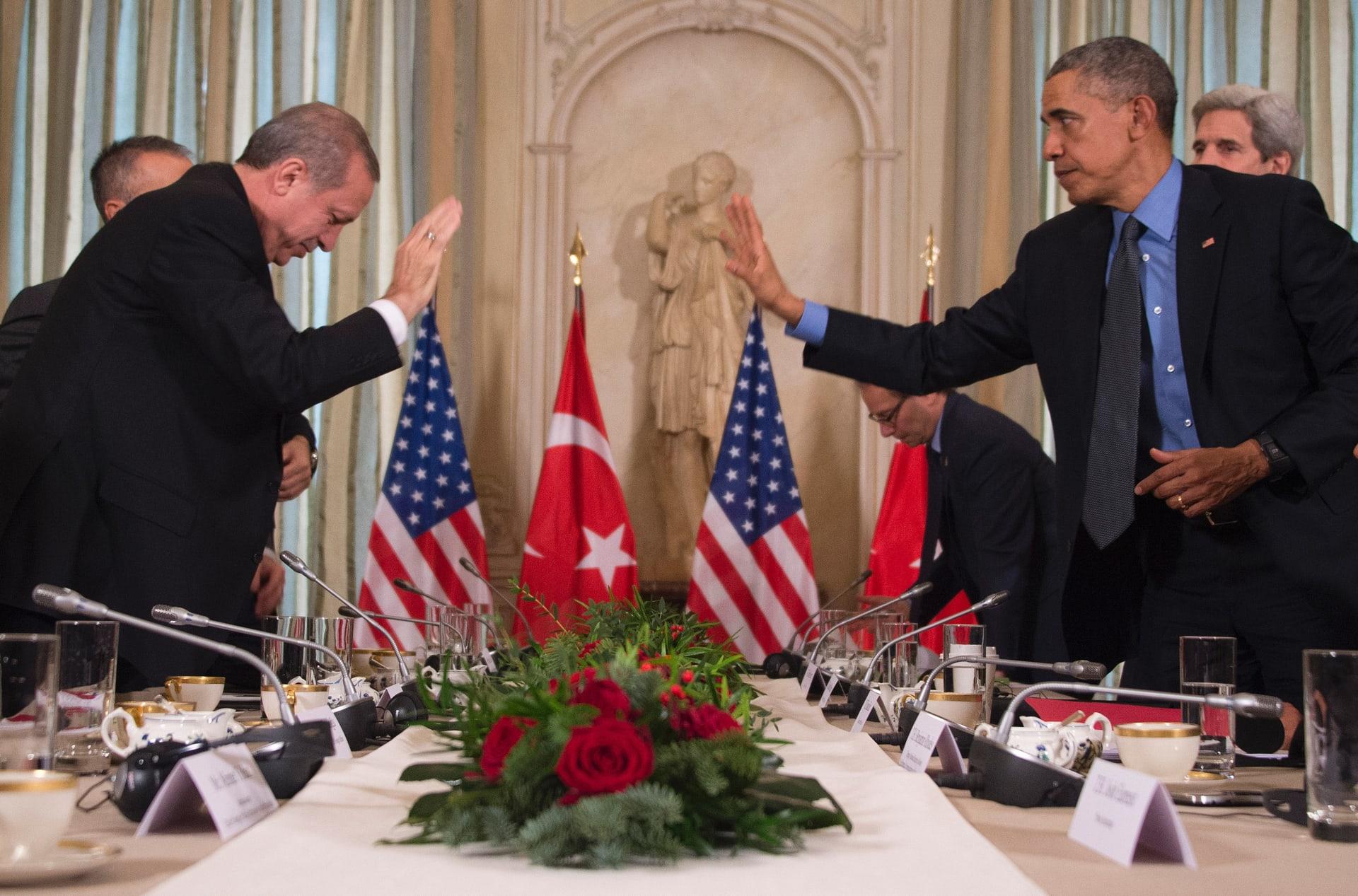 """""""سيلتزم بالديمقراطية ما دامت تضمن له السلطة"""".. أوباما يوضح سبب شكوكه بأن يجسد أردوغان نموذجا لـ""""الإسلام المعتدل"""""""