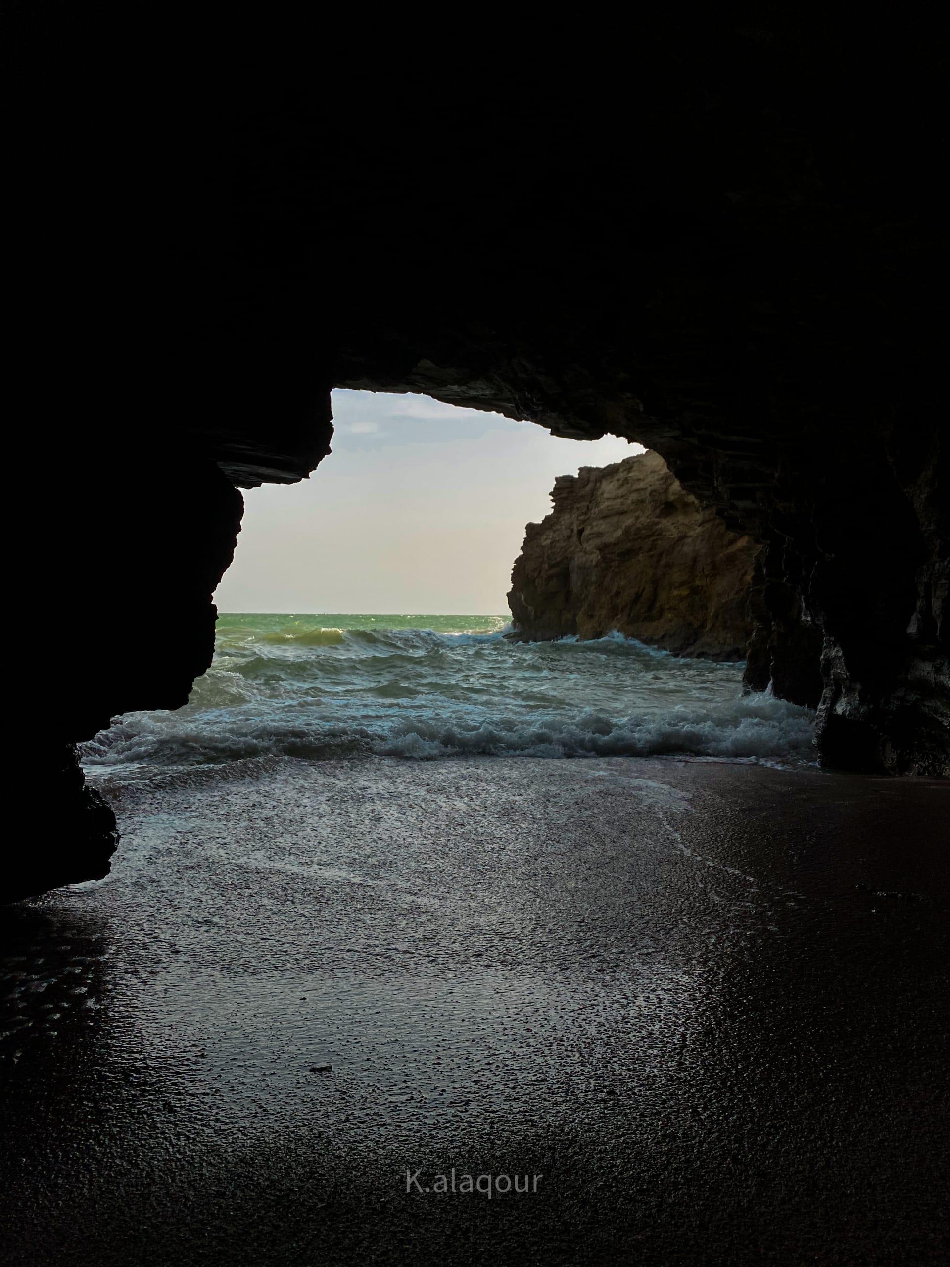 كهف الخلوف في عمان