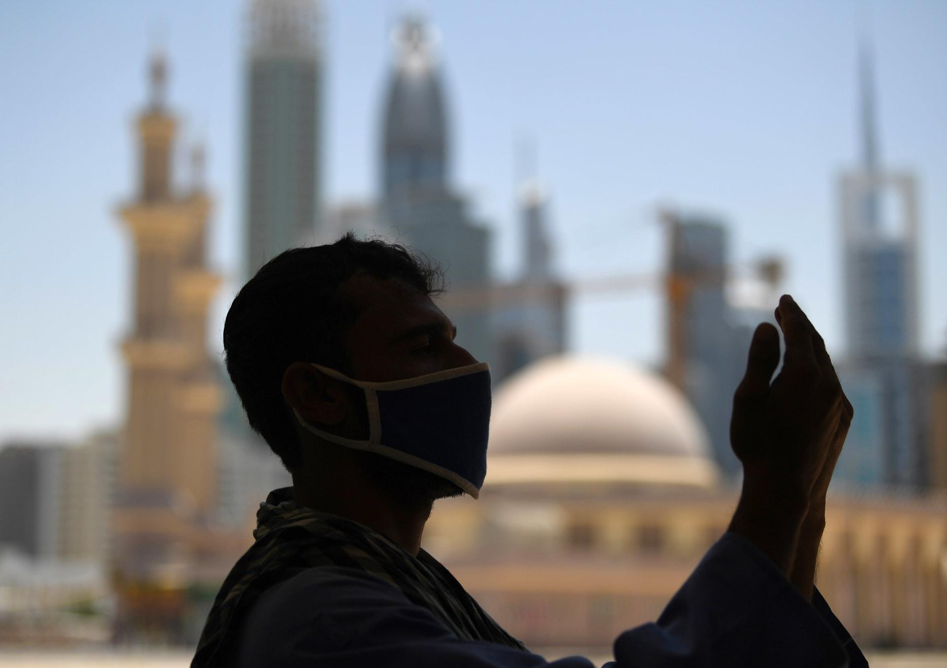 الإمارات.. إعادة افتتاح المساجد لأداء صلاة الجمعة ابتداء من 4 ديسمبر