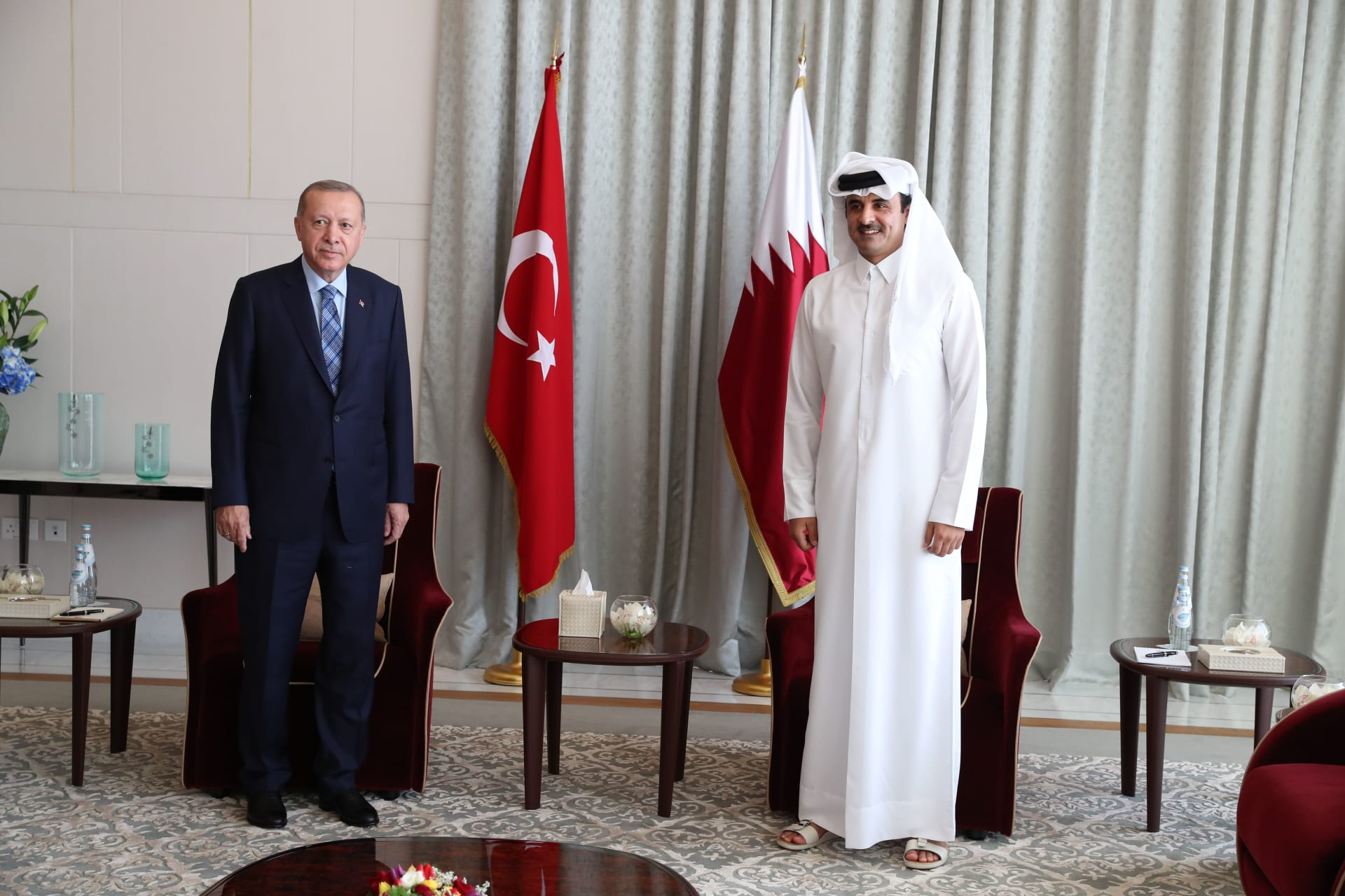 صورة أرشيفية من آخر زيارة للرئيس التركي إلى قطر واسقباله من قبل الشيخ تميم