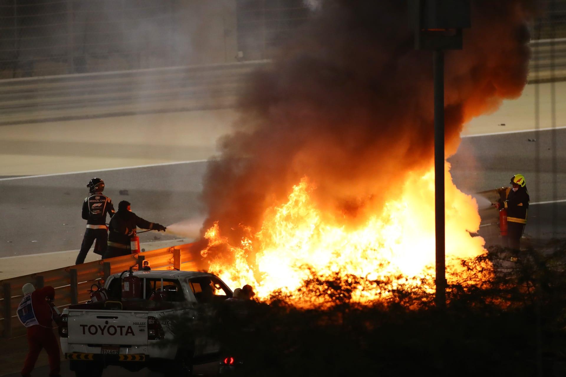 سائق الفورمولا 1 رومان جروجان في حادث مرعب خلال سباق جائزة البحرين الكبرى