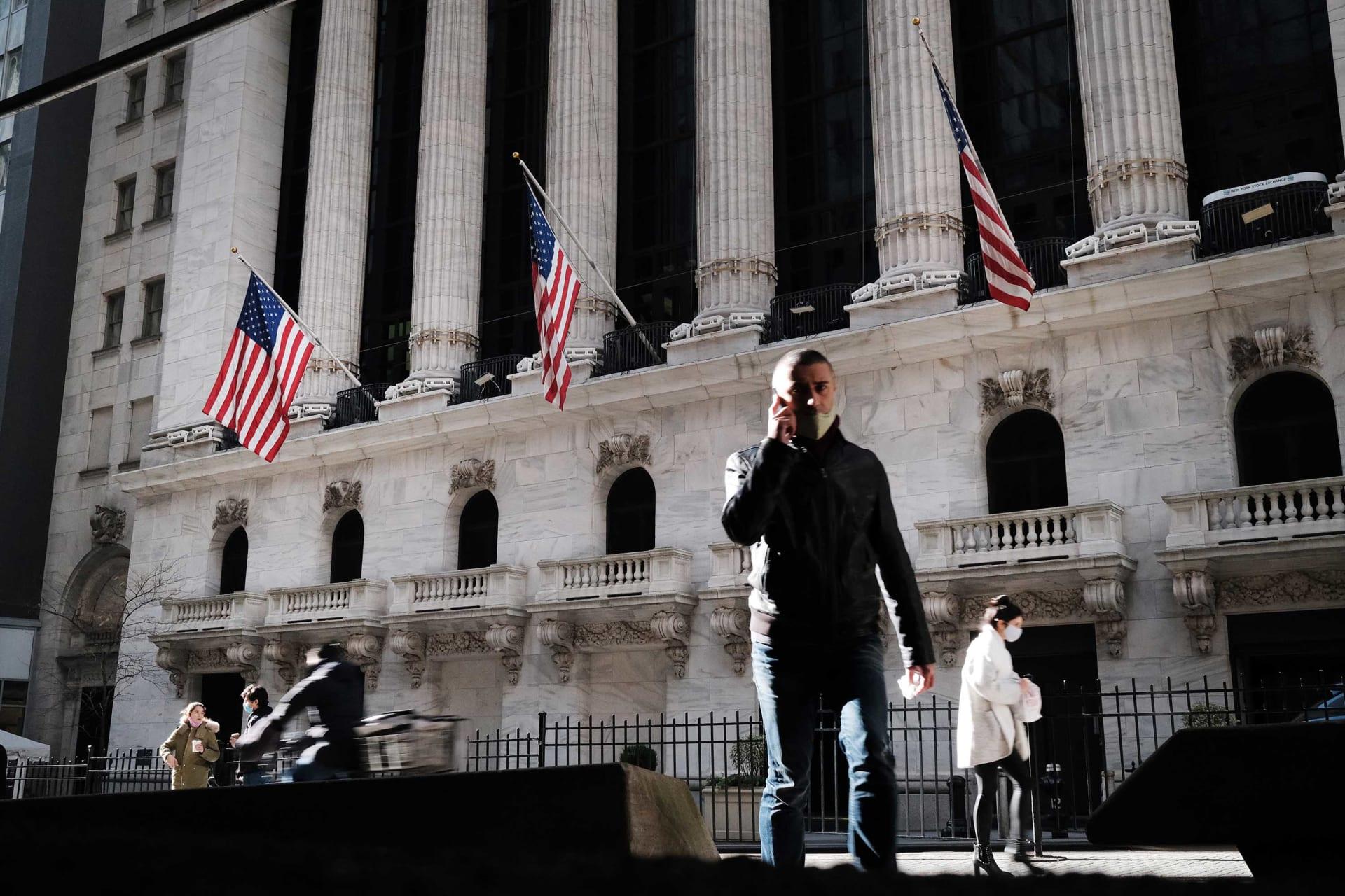 مؤشر داو جونز يسجل أفضل أداء شهري له منذ 1987