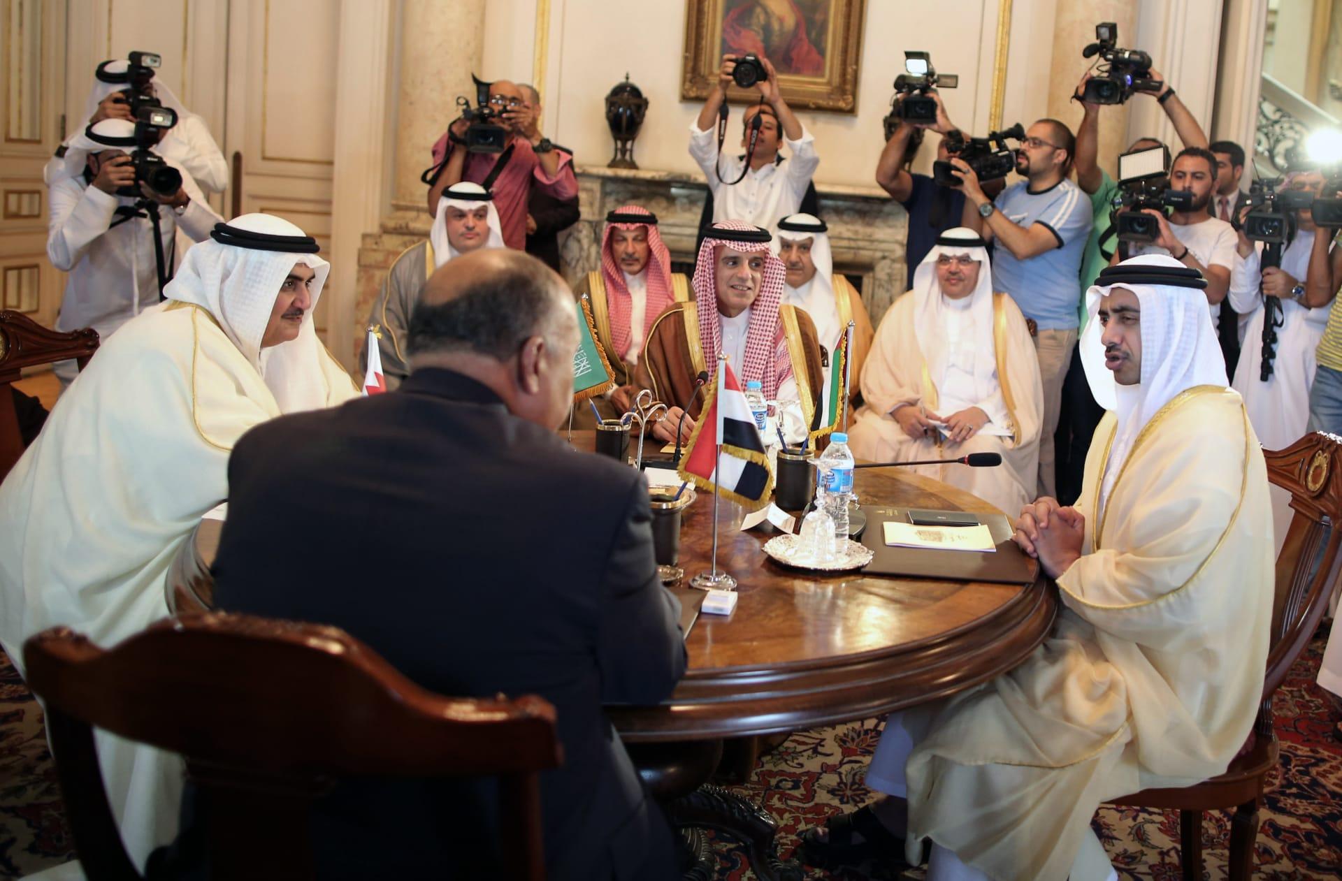 أول تعليق رسمي إماراتي على جهود حل الخلاف مع قطر.. قرقاش: نتطلع إلى قمة خليجية ناجحة