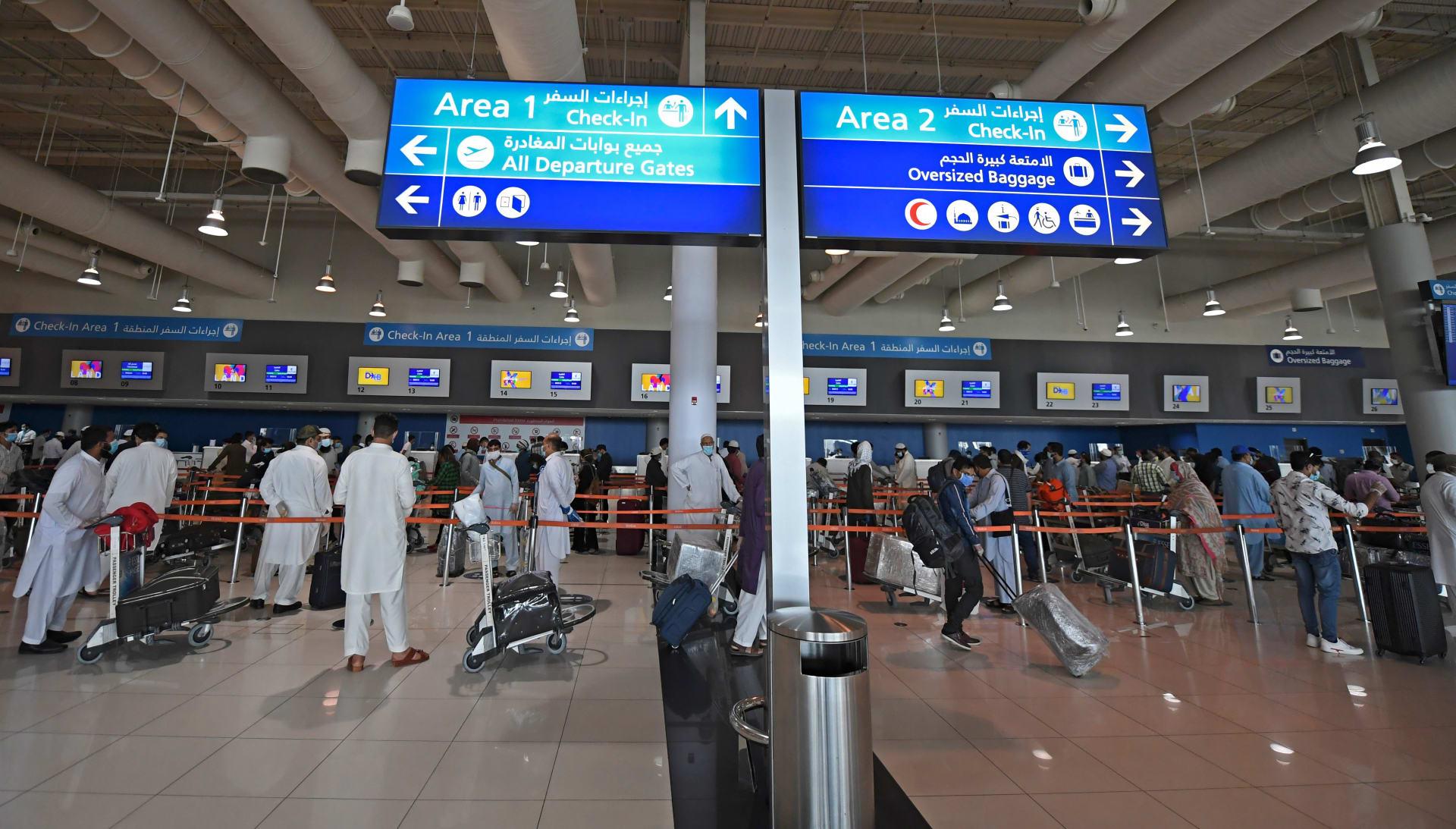 من دبي إلى العالم.. إليك تفاصيل نقل لقاحات كورونا من أكبر مرفق جوي مخصص لها