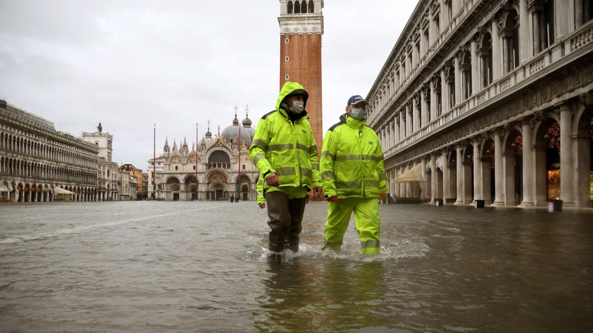 """فيضان البندقية يتسبب بأضرار """"جسيمة"""" بعد شهرين من استخدام حواجز الفيضانات المنتظرة"""