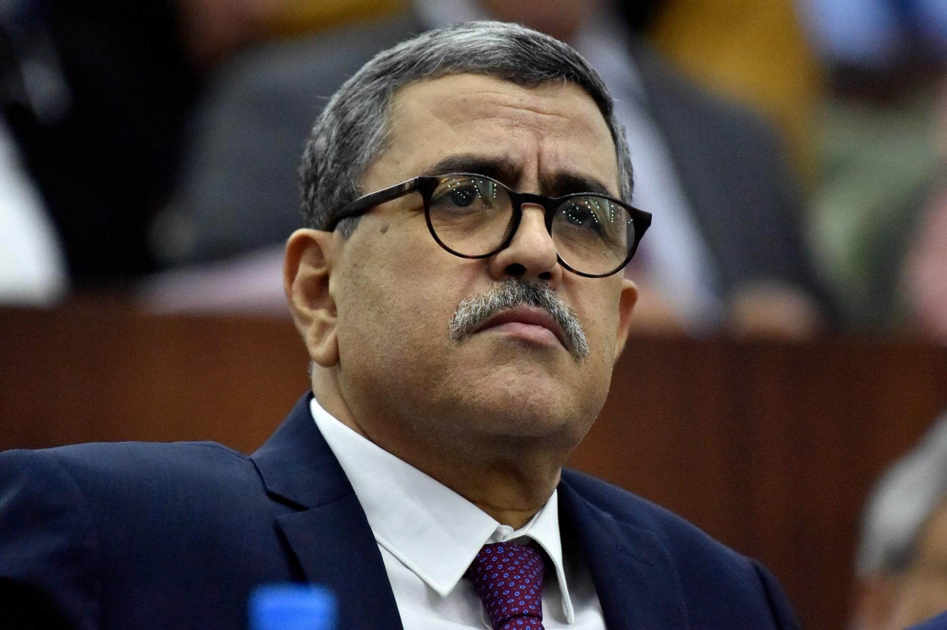 """رئيس وزراء الجزائر: بلادنا """"مُستهدفة بعمليات أجنبية"""".. وإسرائيل وصلت حدودنا"""