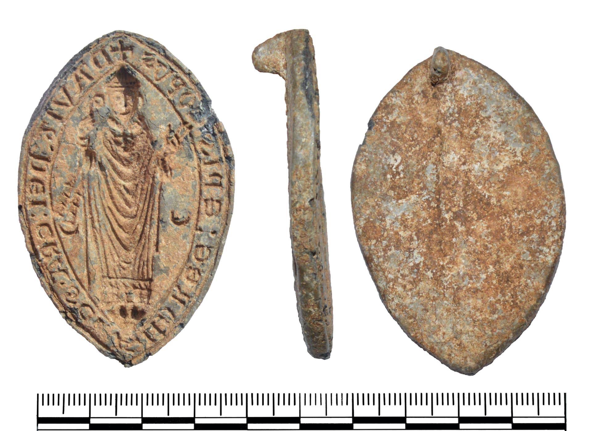اكتشافات تضم كنوز من العصور الوسطى في الريف البريطاني وسط إغلاق كورونا