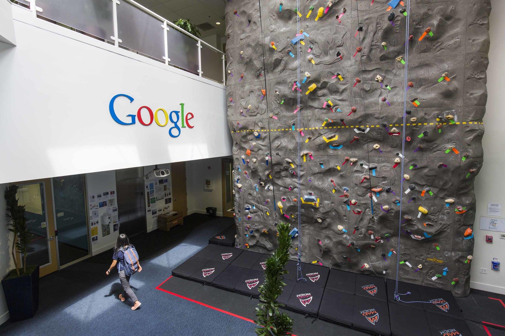 كيف تخطط غوغل ومايكروسوفت وغيرها من الشركات للعمل في مرحلة ما بعد الجائحة؟