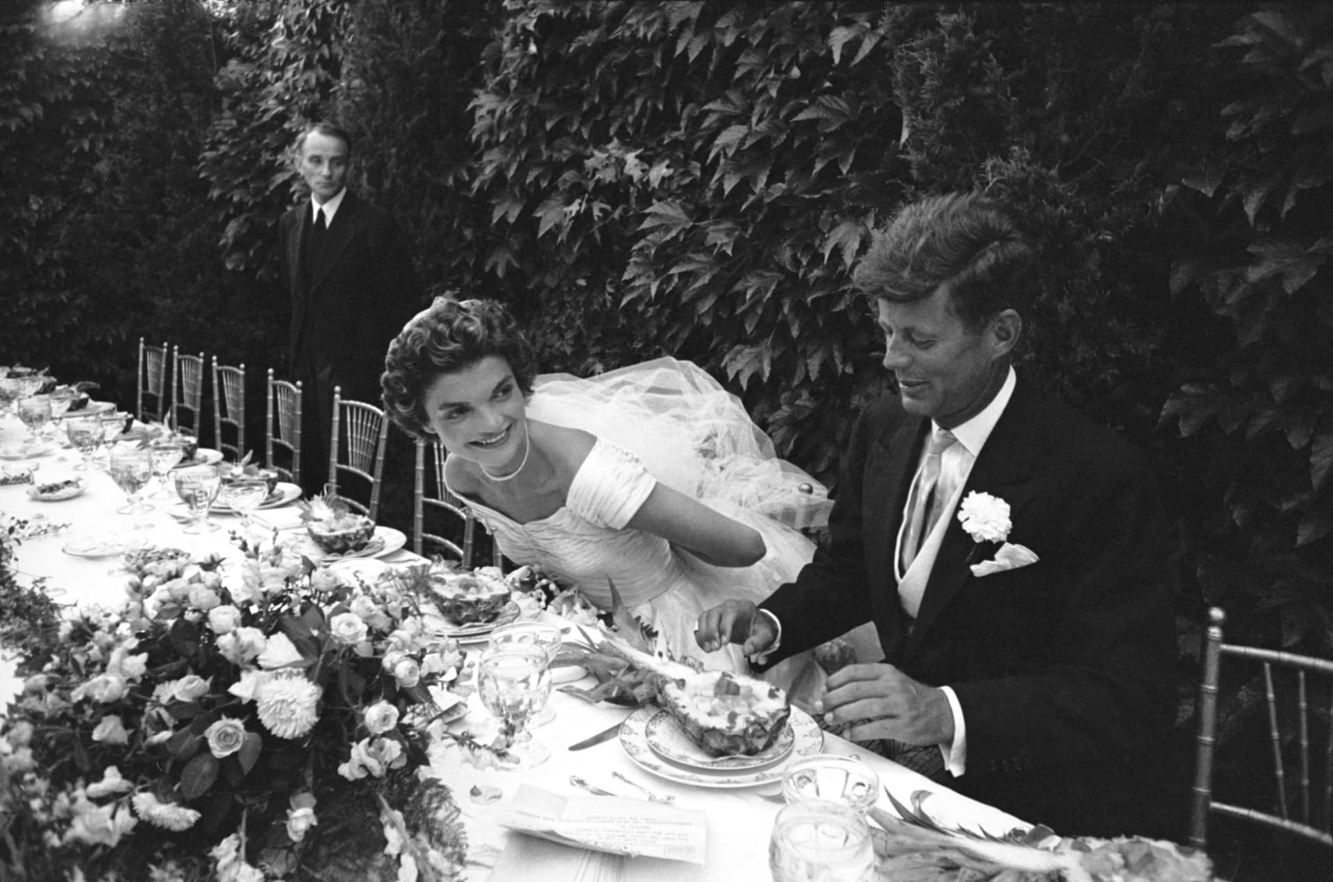 ما لا تعرفه عن مصممة فستان زفاف جاكلين كينيدي
