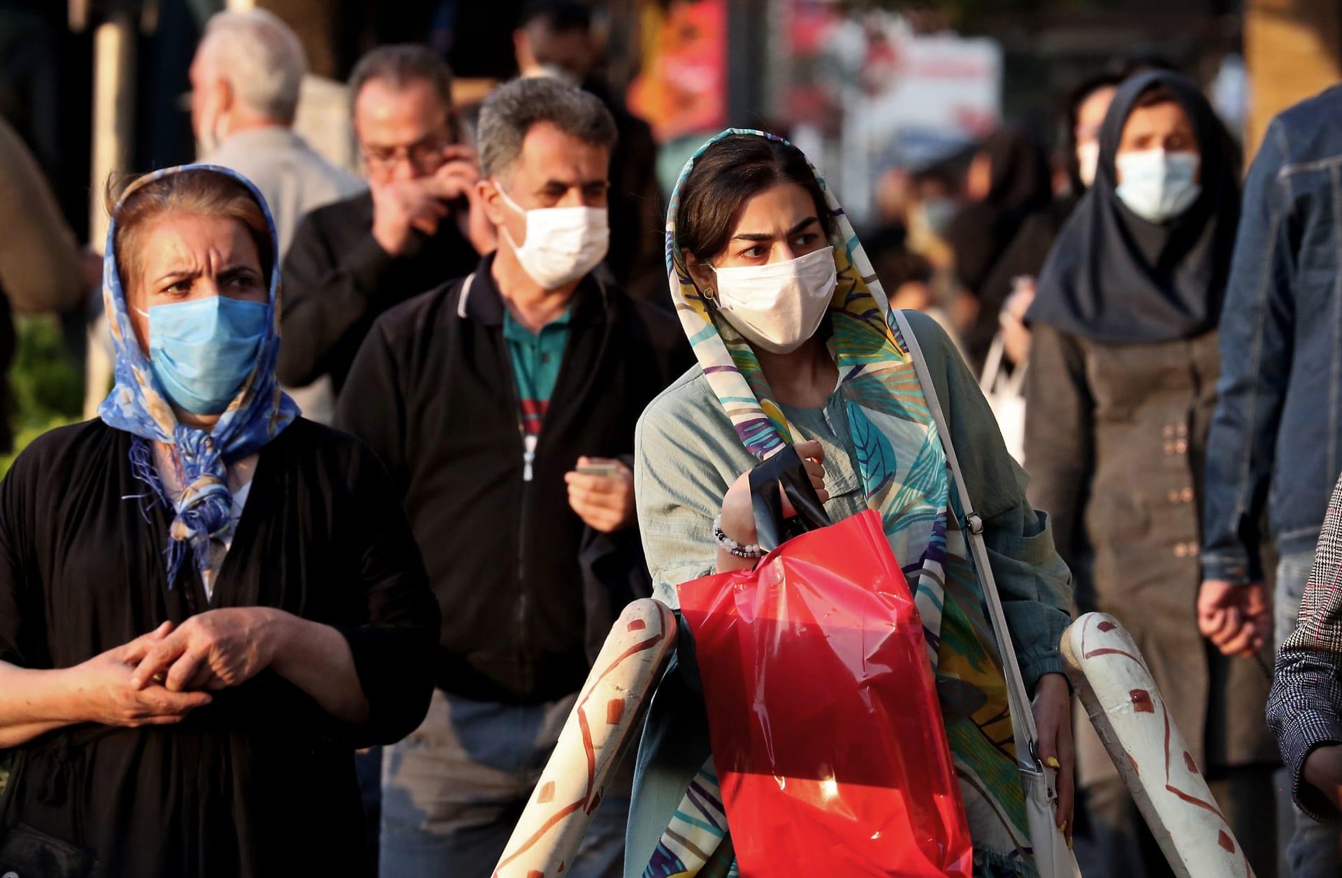إيران توسَع نطاق حظر التجول ليشمل 330 مدينة وبلدة لمنع تفشي كورونا