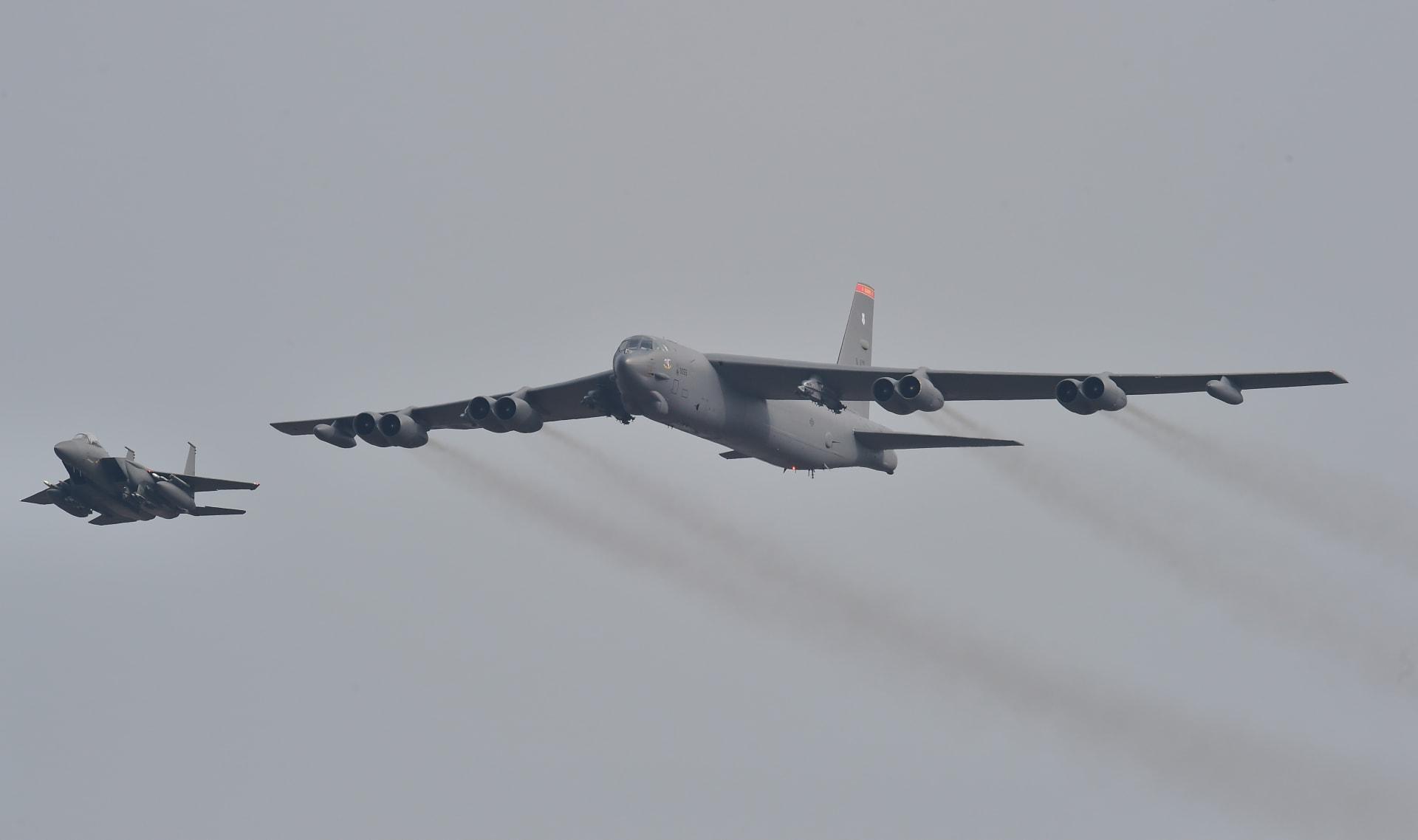 الجيش الأمريكي ينشر قاذفتي قنابل بي 52 بالشرق الأوسط مع قرب ذكرى قاسم سليماني