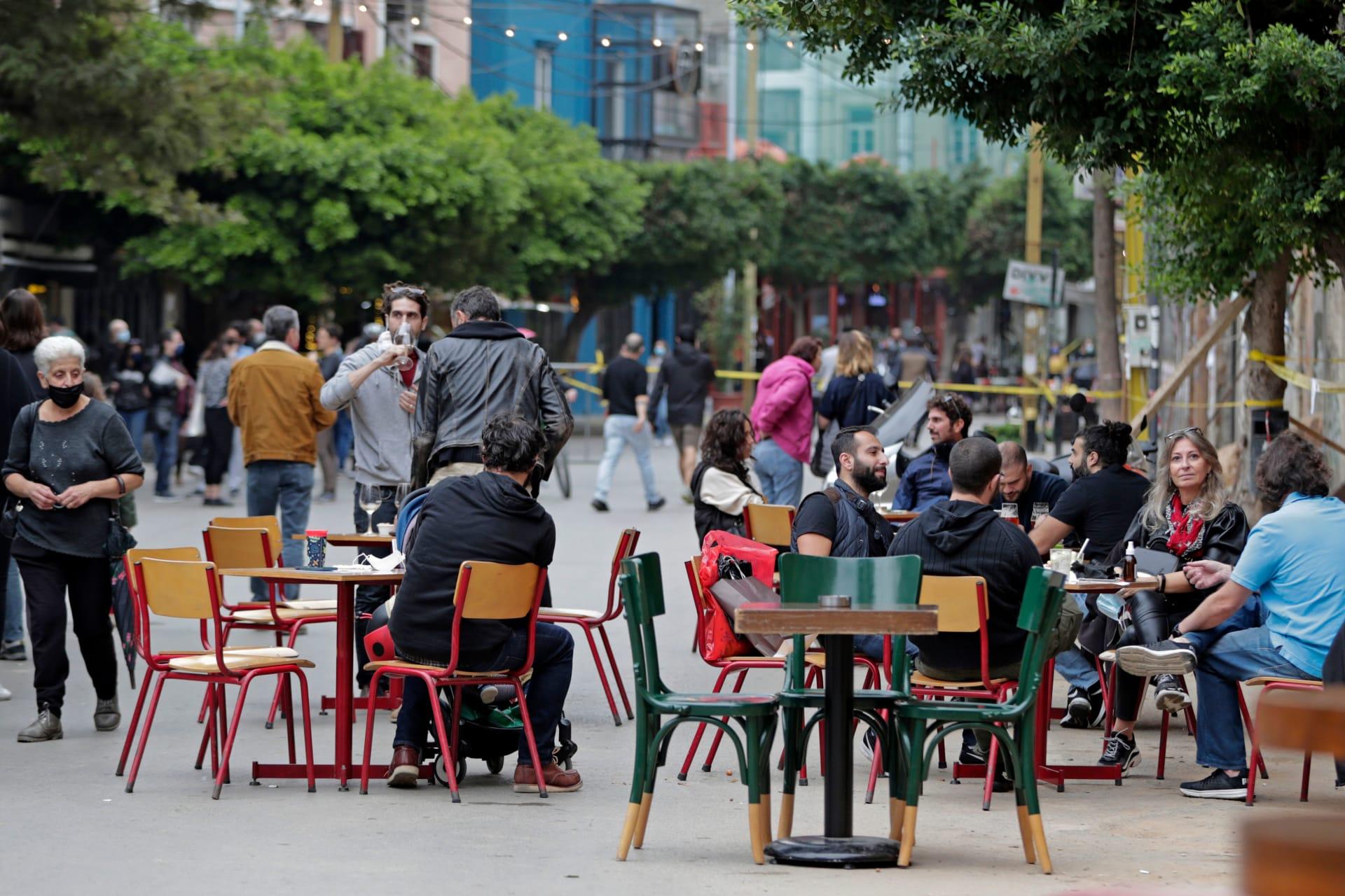 لبنان يسجل أعلى معدل يومي لإصابات فيروس كورونا لليوم الثاني على التوالي