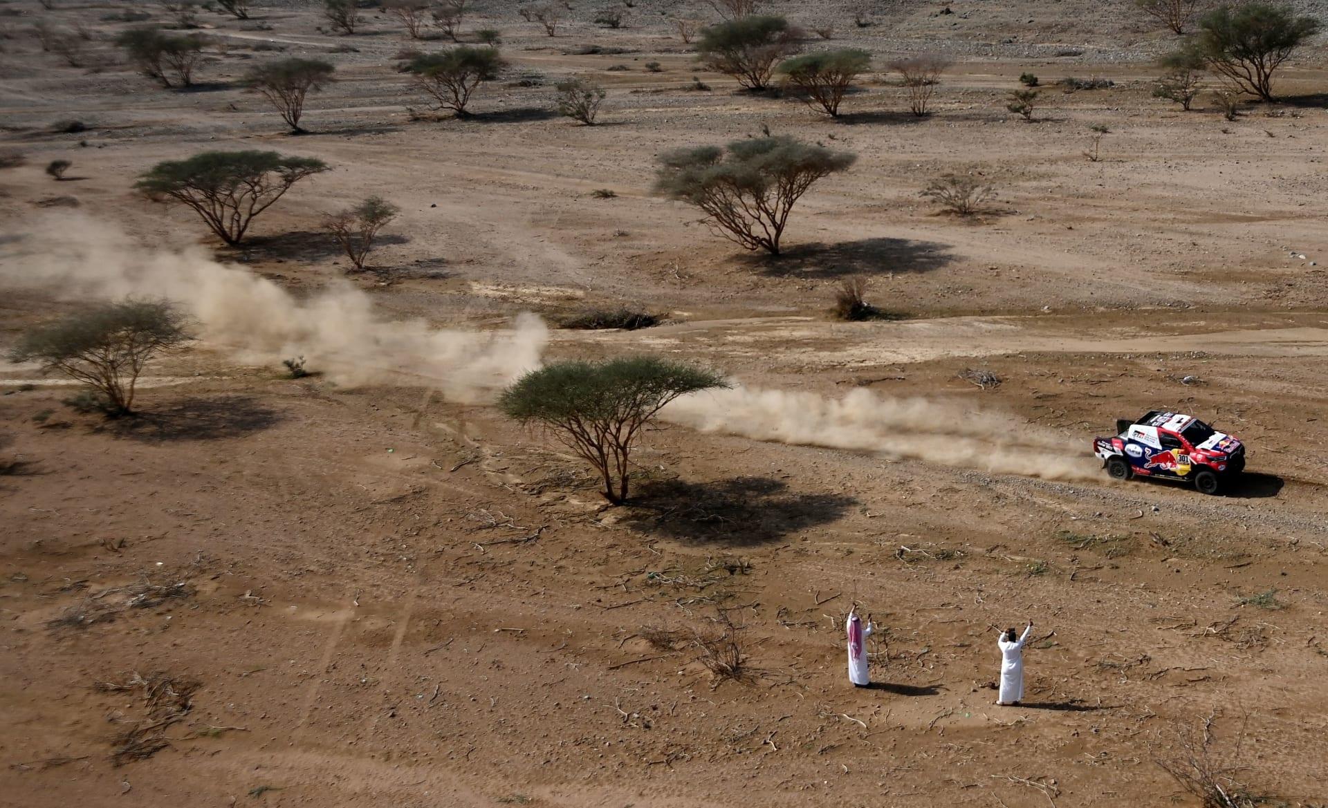 افتتاح رالي داكار قبيل انطلاقه رسميا بالسعودية.. وأول فريق نسائي سعودي يشارك فيه