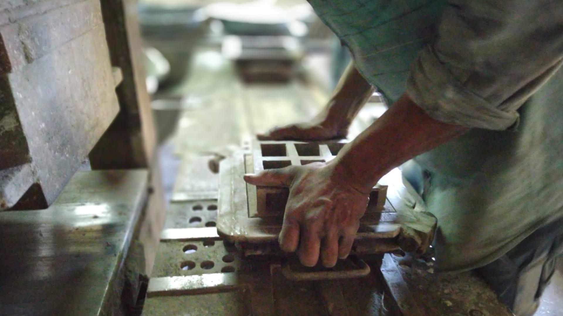 شركة هندية تحول الهواء الملوث إلى بلاط بناء أنيق..كيف؟