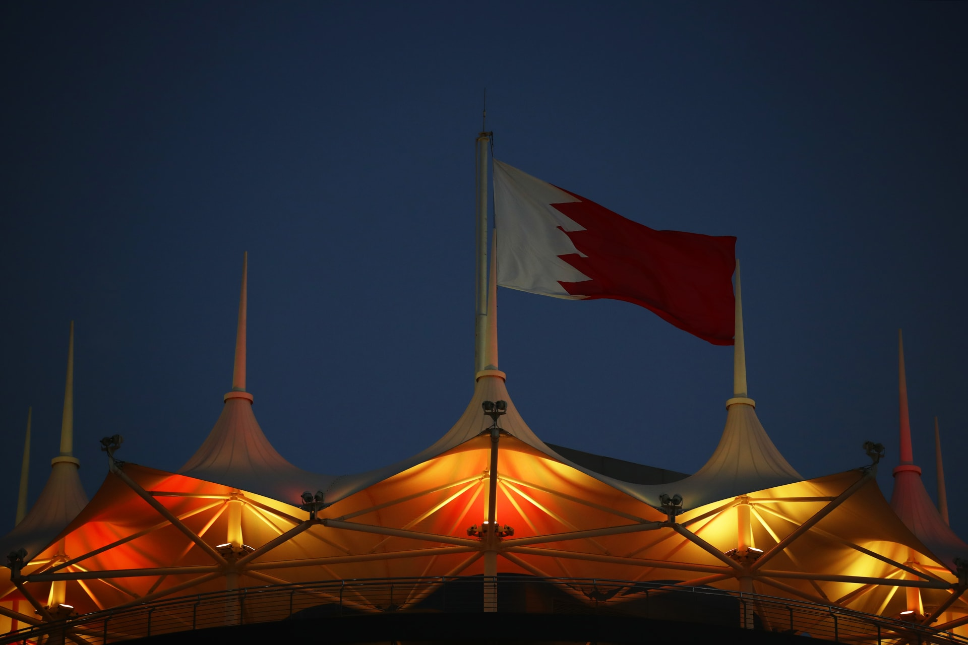 البحرين تستدعي مواطناً زعم محاولة قطر تجنيده