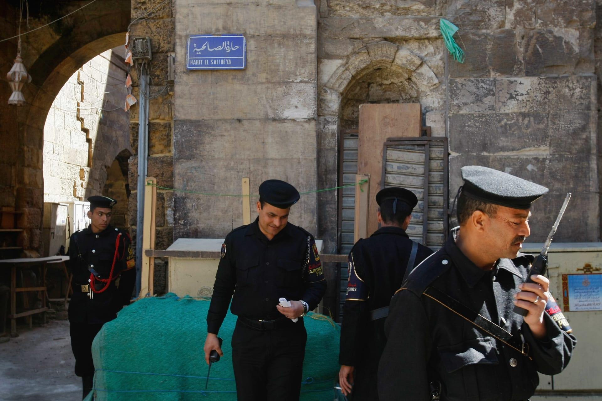 صورة ارشيفية لعدد من رجال الأمن في مصر