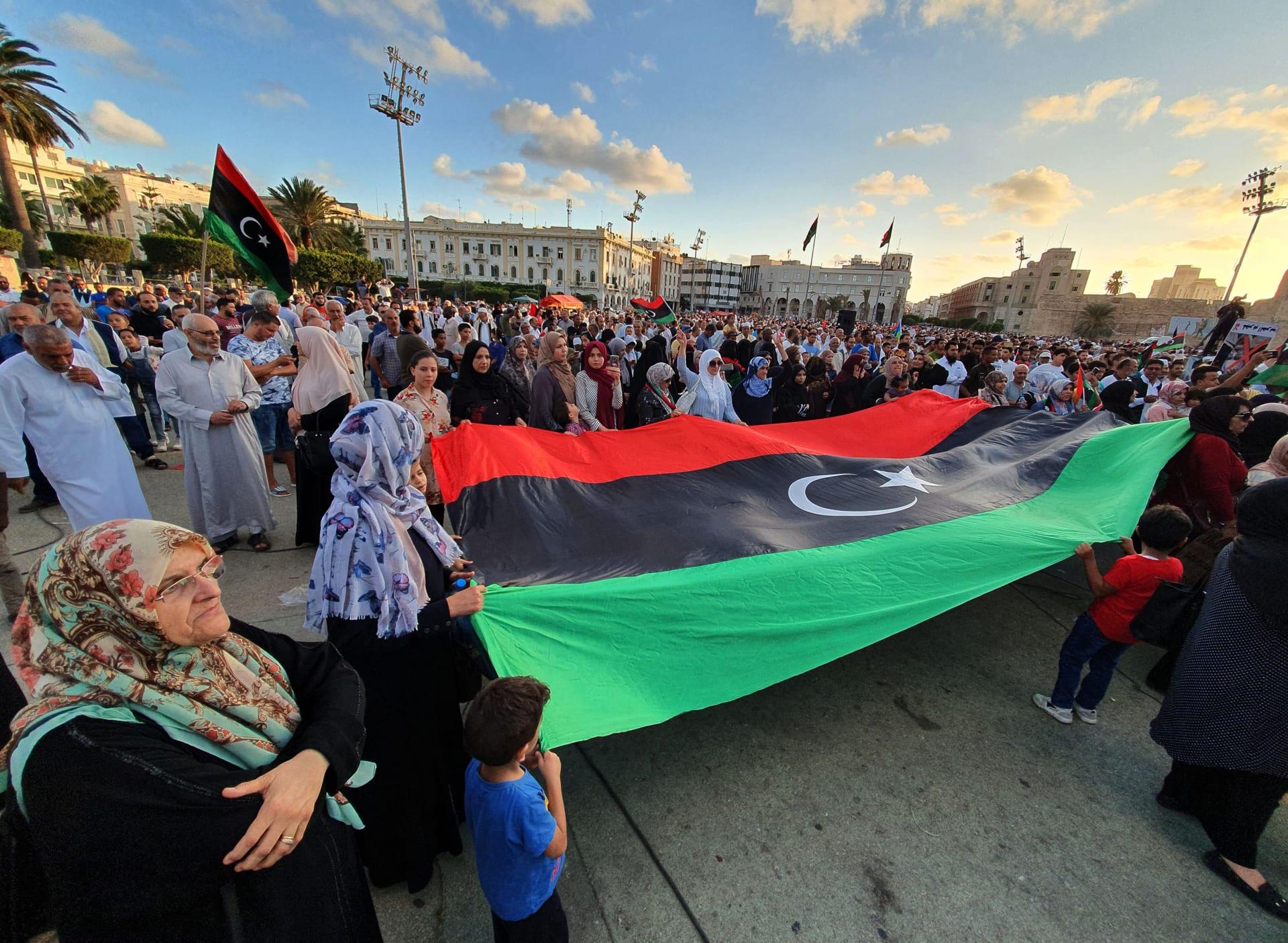 مصر والإمارات ترحبان باختيار السلطة التنفيذية الجديدة التي ستقود ليبيا بشكل مؤقت