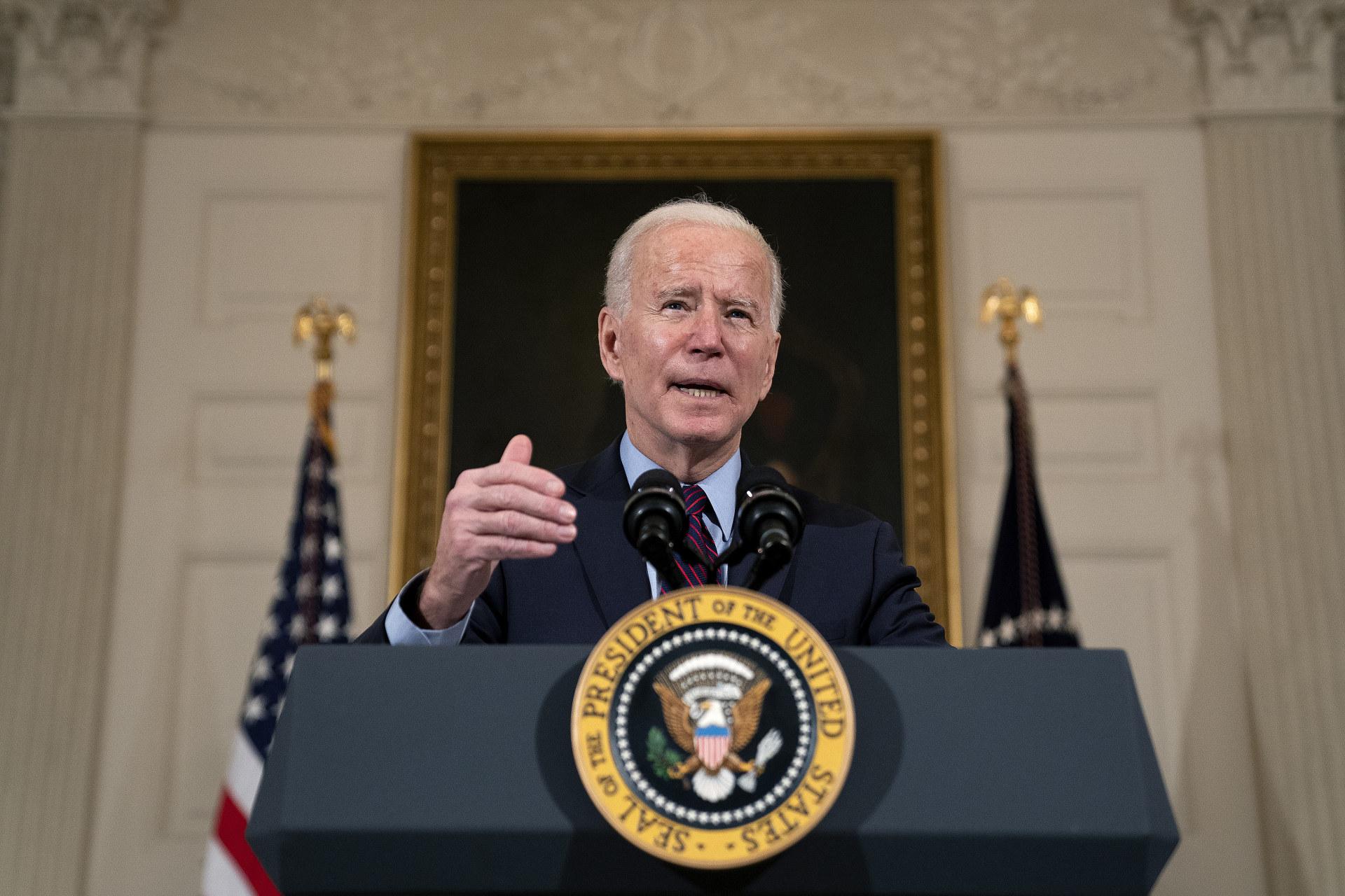 بايدن: لن نبادر برفع العقوبات عن إيران لتعود إلى طاولة المفاوضات