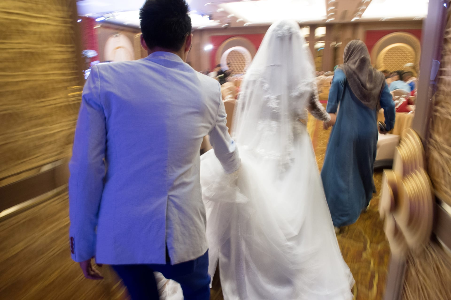 صورة أرشيفية تعبيرية من حفل زفاف واصطحاب عروس إلى قاعة زفاف