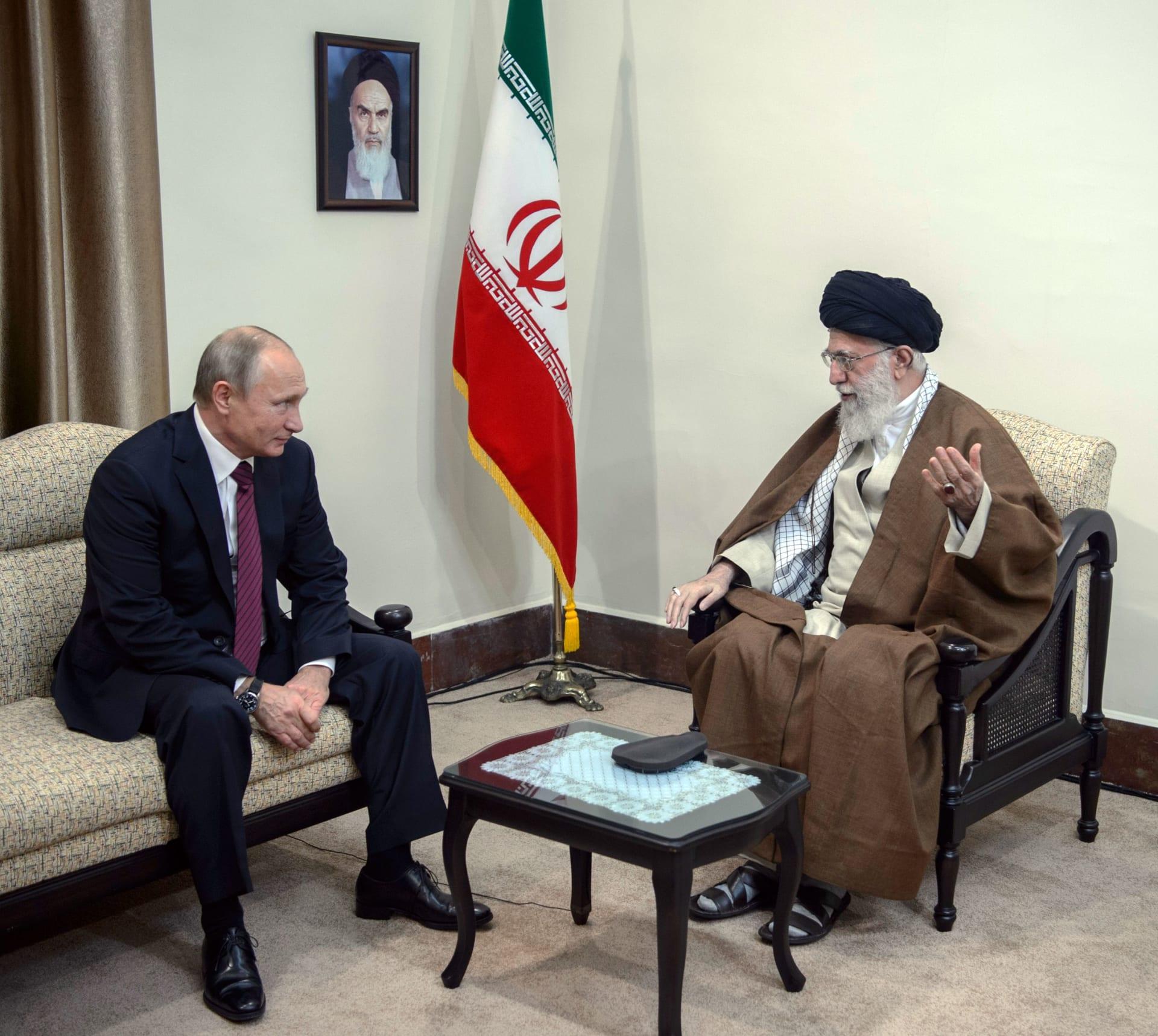 صورة أرشيفية من لقاء بين بوتين وخامنئي عام 2017