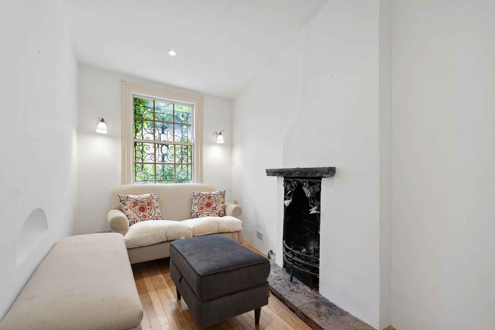 عرضه أقل من مترين..أضيق منزل في لندن يعرض للبيع مقابل 1.3 مليون دولار