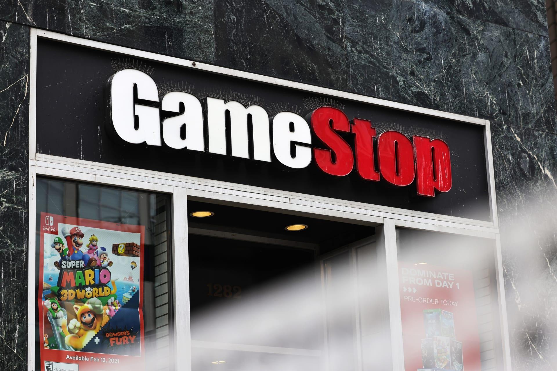 """بعد شهر من ملحمة """"GameStop"""".. استقالة المدير المالي للشركة"""