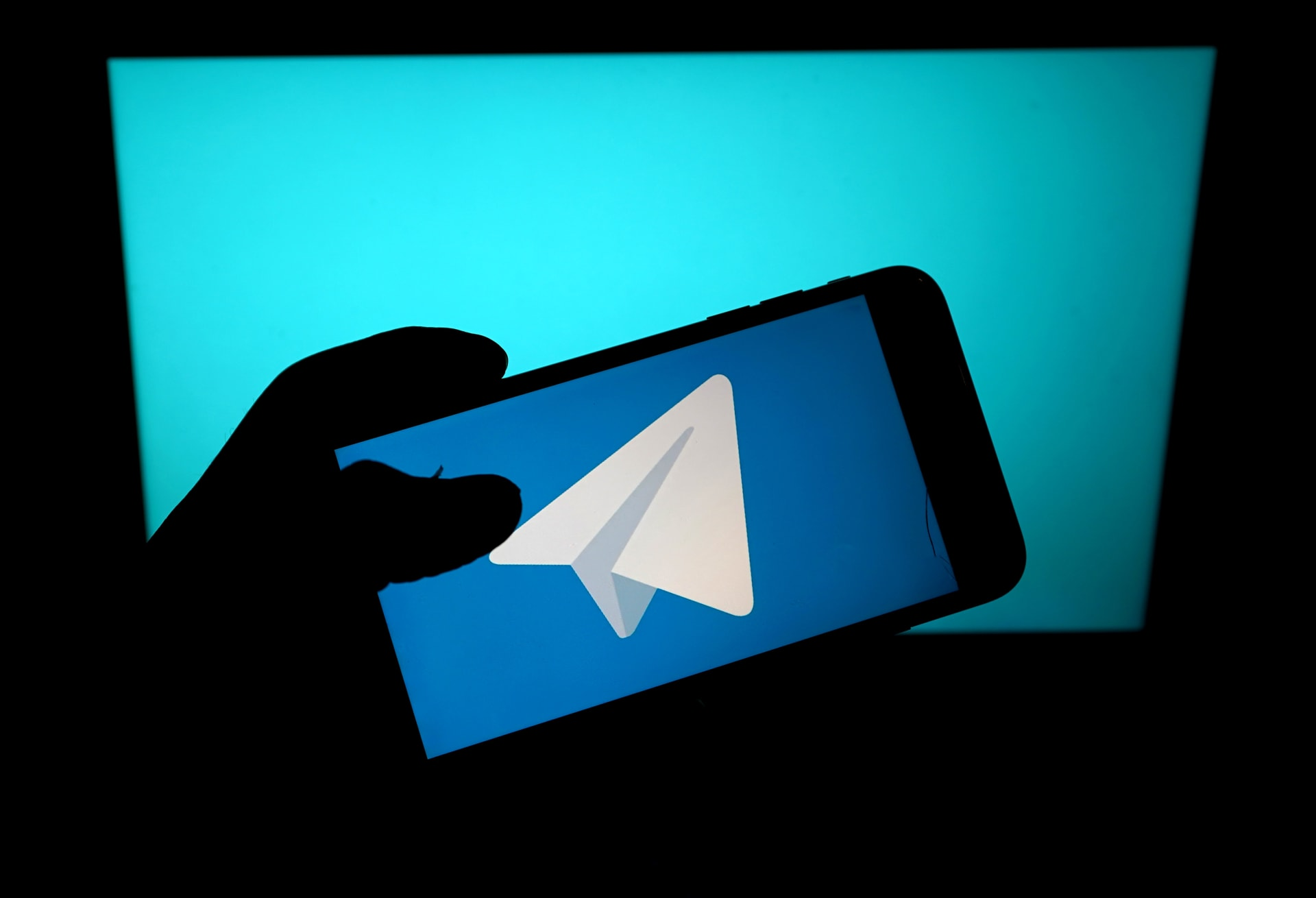 """تليغرام يطلق خدمة الرسائل الخاصة ذاتية الحذف.. و""""مجموعات البث"""" على غرار كلوب هاوس"""