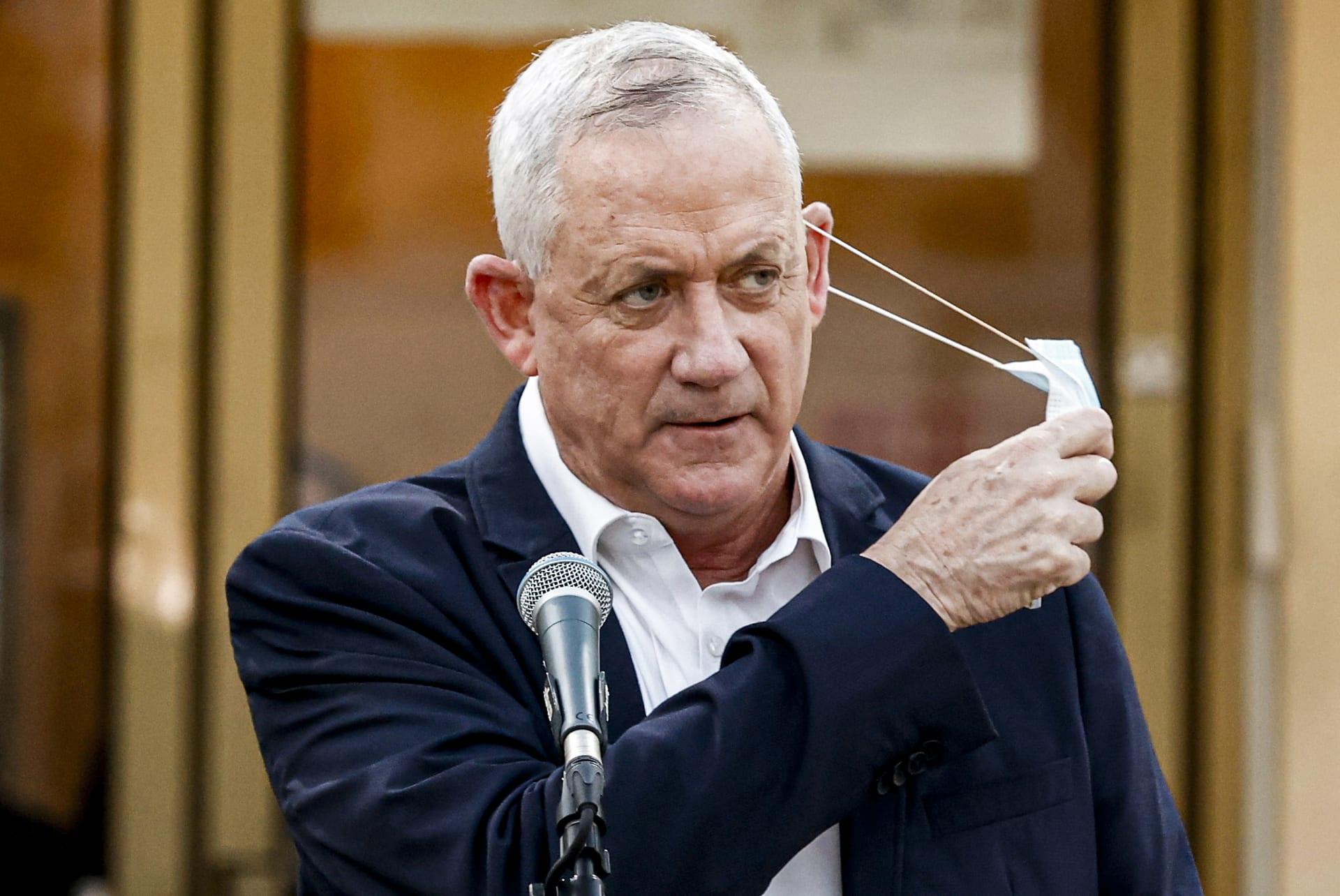 وزير الدفاع الإسرائيلي: إيران قد تكون مسؤولة عن انفجار سفينة مملوكة لإسرائيل