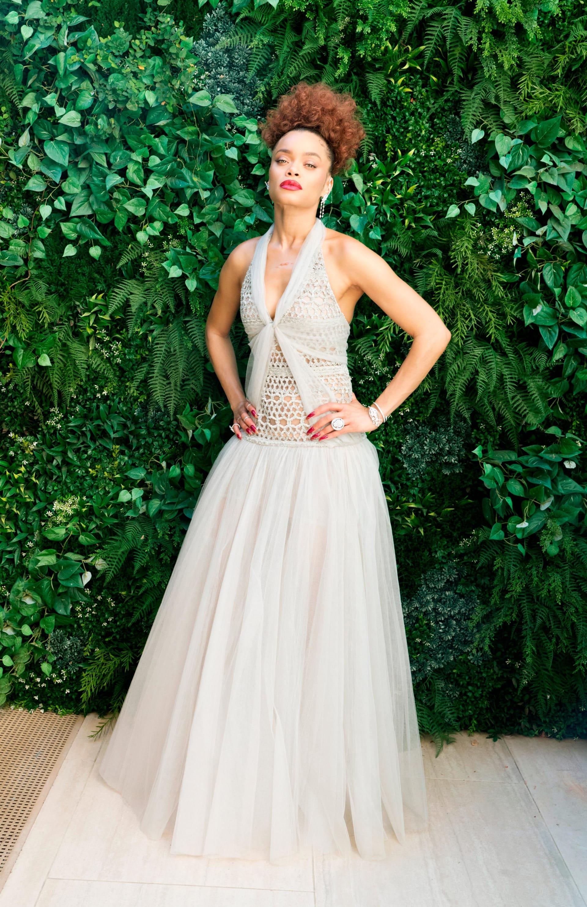 """أزياء جوائز """"غولدن غلوب"""" لـ2021.. حفل """"هجين"""" يجمع بين لحظات السجادة الحمراء التقليدية وإطلالات جريئة من المنزل"""