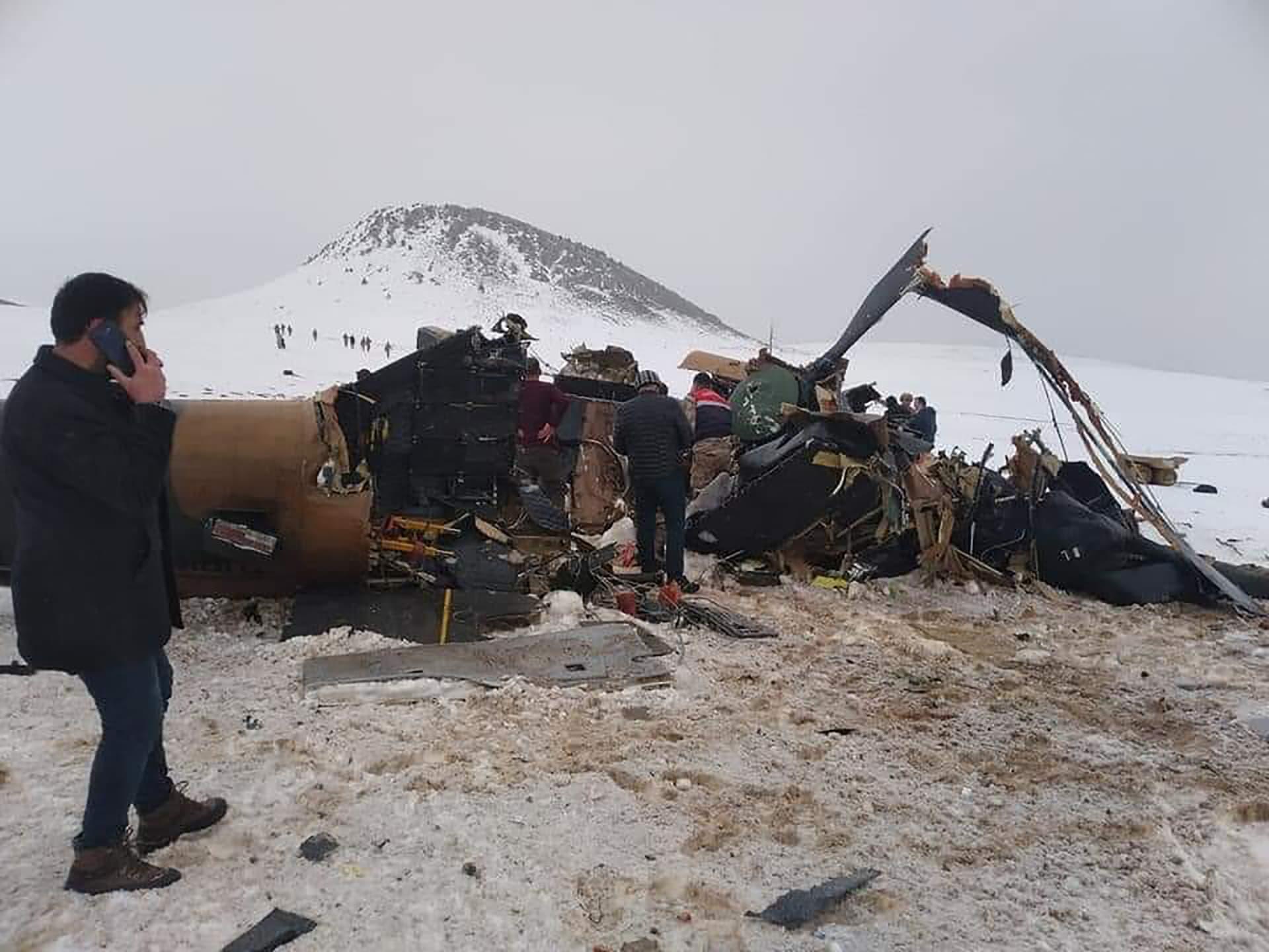 تحطم مروحية عسكرية تركية.. وارتفاع حصيلة ضحايا الحادث إلى 11