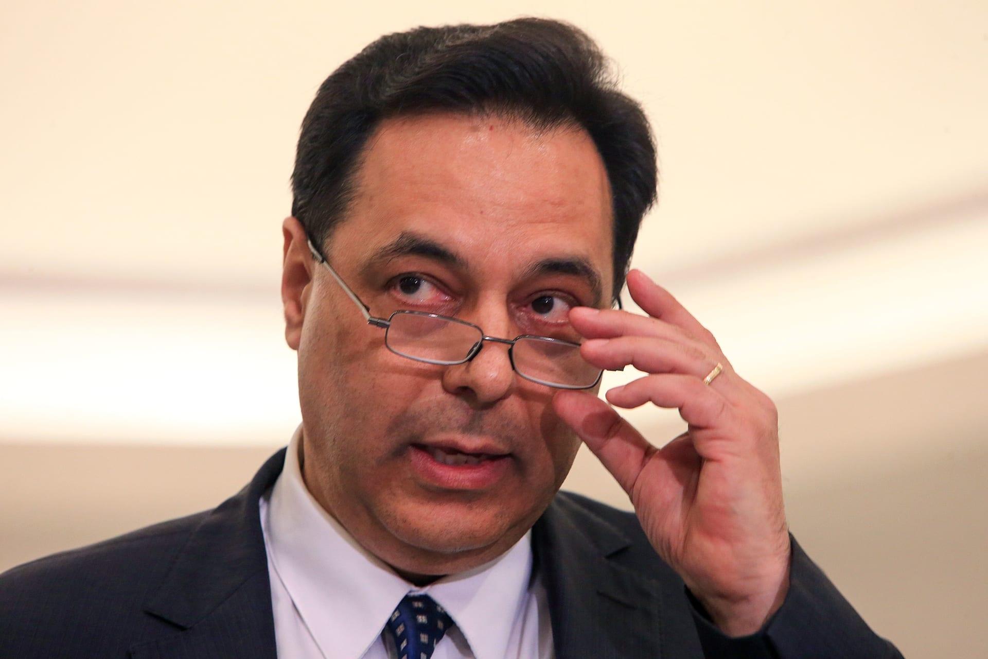 """لبنان: حسان دياب يهدد بـ""""الاعتكاف"""" والتوقف عن تصريف الأعمال بسبب تعثر تشكيل حكومة الحريري"""