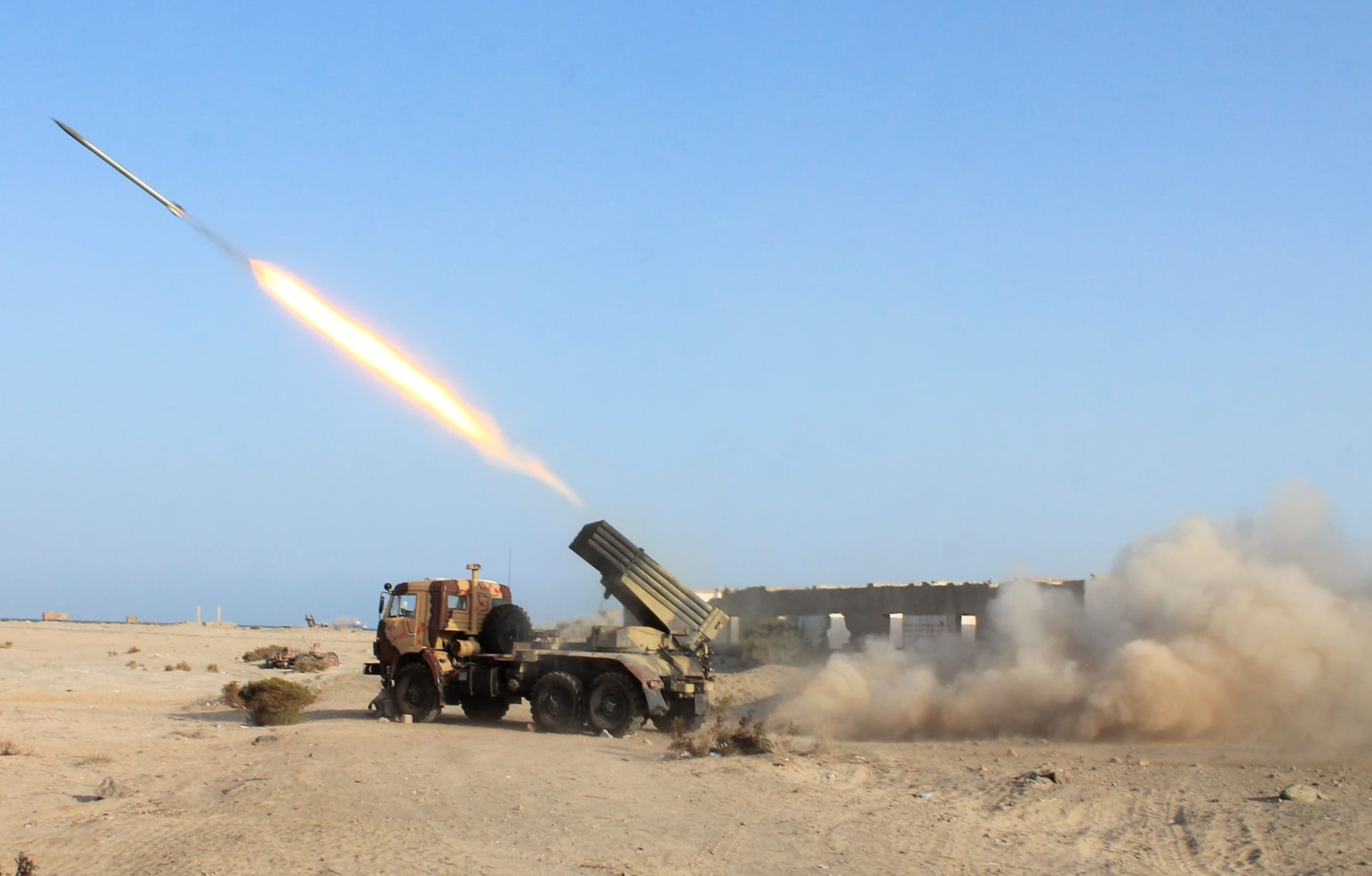 السعودية: القنصلية الأمريكية العامة تحذر الأمريكيين من هجمات صاروخية محتملة الليلة في 3 مدن