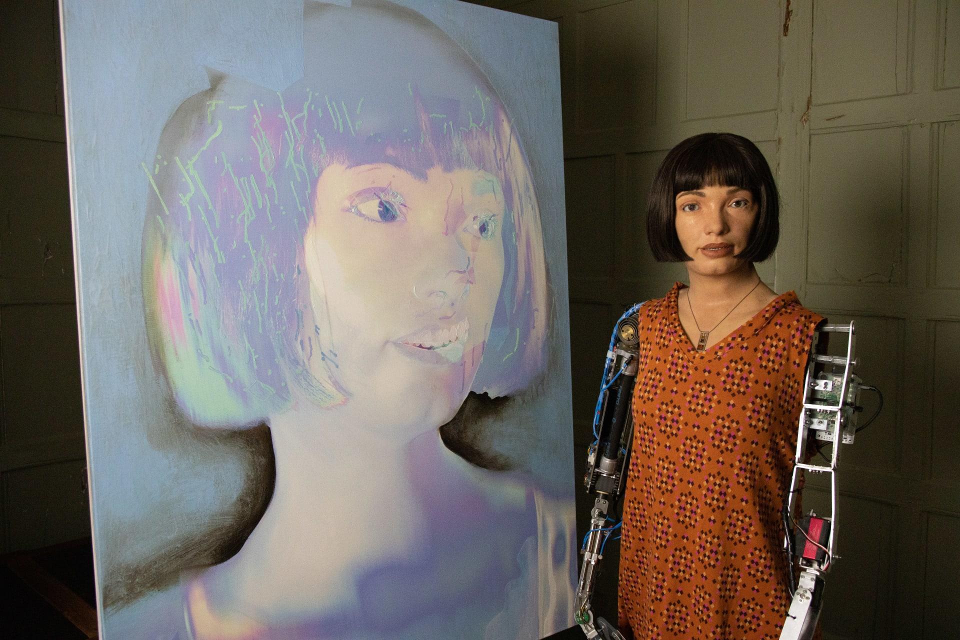 أول روبوت فنان في هيئة إنسان في العالم