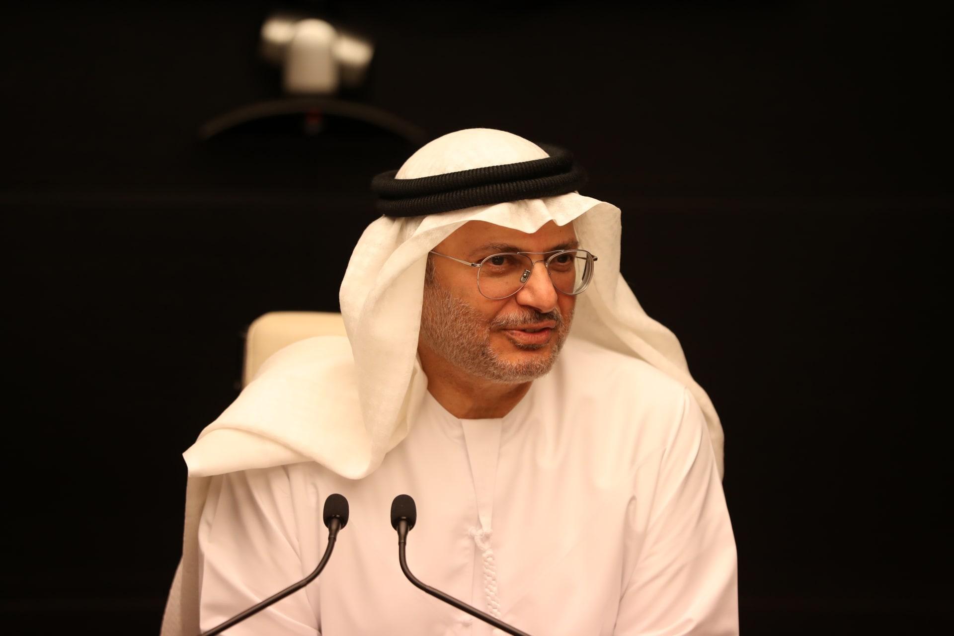 """قرقاش حول تدخل الإمارات في الانتخابات الإسرائيلية: الهدف من """"الاتفاقيات الإبراهيمية"""" تعزيز السلام"""