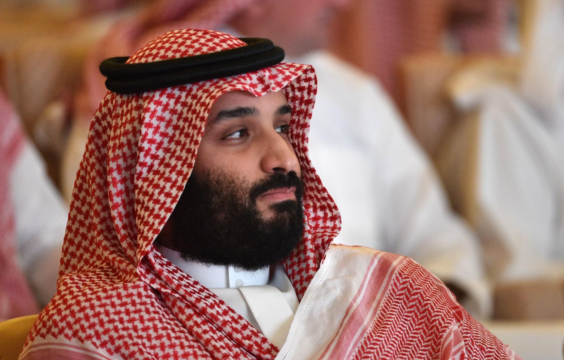 """الإعلان عن برنامج """"صُنع في السعودية"""".. وتداول سؤال لولي العهد: """"شماغك وين مصنوع؟"""""""