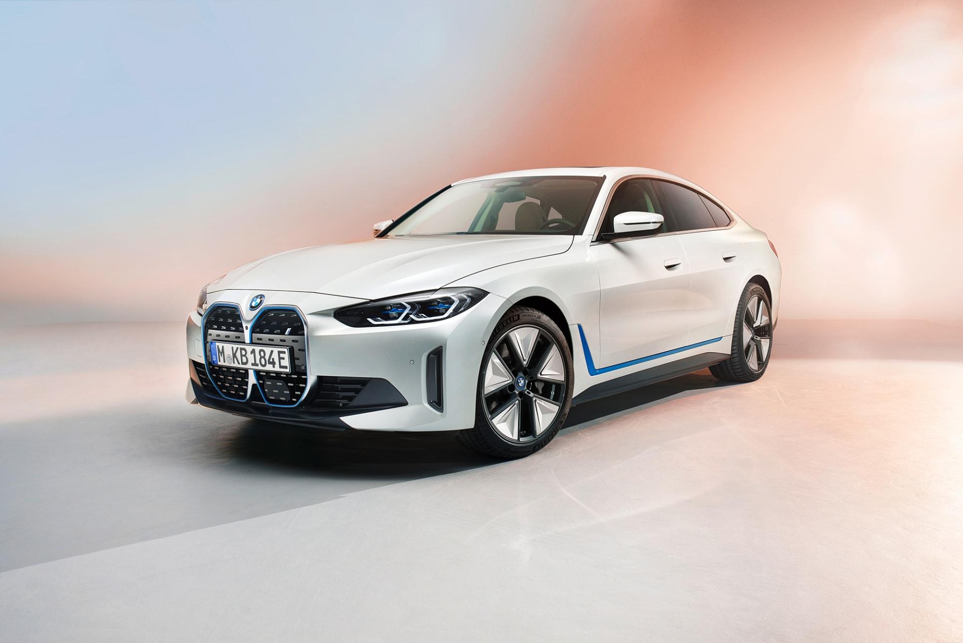 BMW تكشف عن سيارة كهربائية جديدة.. وتؤكد: لن نتخلى عن سيارات الوقود قريباً