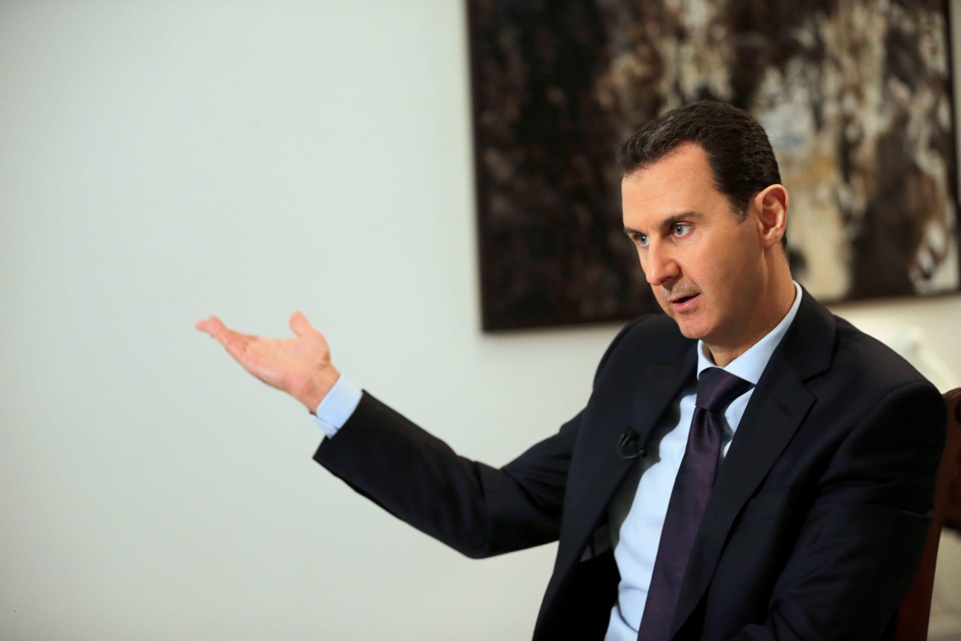 """الأسد: معركة سعر الصرف الليرة تدار من الخارج.. وسنتعامل بحزم مع """"اللصوصية"""""""