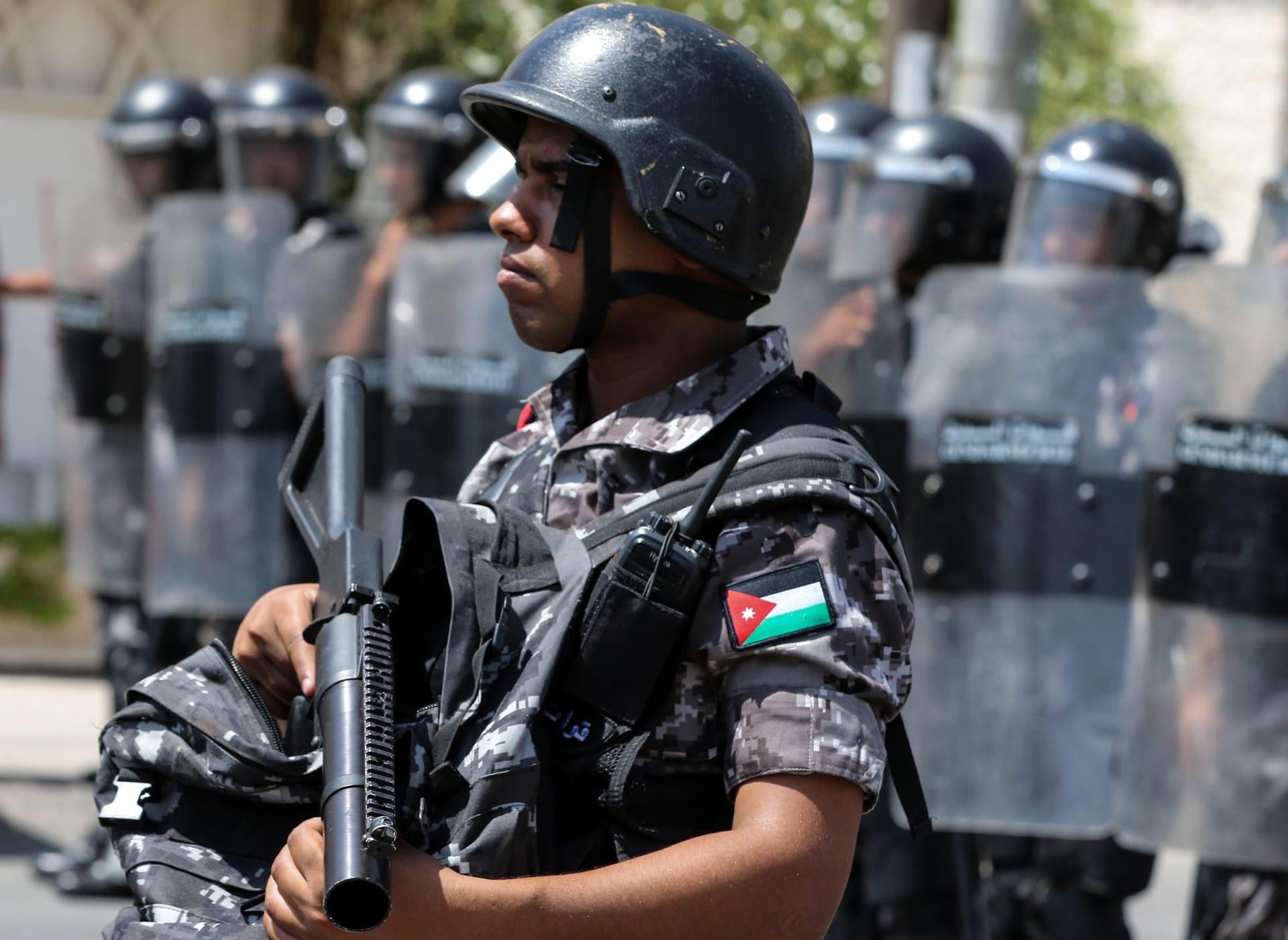 """الأردن: اعتقال رئيس الديوان الملكي الأسبق والشريف حسن بن زيد """"لأسباب أمنية"""""""